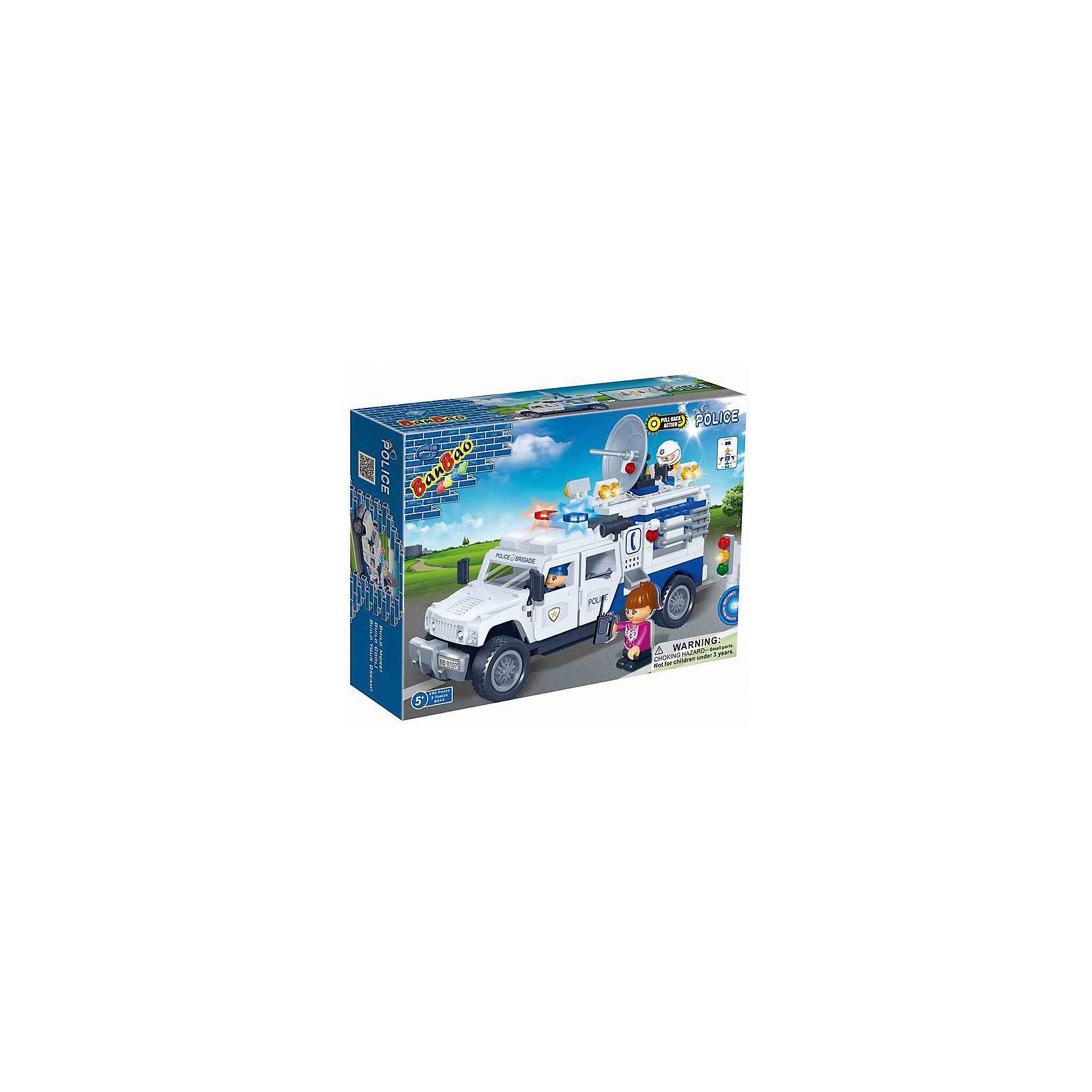 Конструктор Полицейский грузовик, BanBaoПластмассовые конструкторы<br>Этот конструктор обязательно понравится мальчикам. С помощью него можно собрать настоящий полицейский грузовик. Машина имеет отличную детализацию и реалистичный внешний вид, множество прекрасно проработанных деталей, которые открывают простор для всевозможных игр, развивающих воображение ребенка. Конструирование - увлекательный и полезный процесс, развивающий мелкую моторику, мышление и фантазию. Все детали конструктора выполнены из высококачественного экологичного пластика, имеют идеально гладкую поверхность и прочно крепятся друг к другу. Прекрасный вариант для подарка на любой праздник.<br><br>Дополнительная информация:<br><br>- Конструктор развивает усидчивость, внимание, фантазию и мелкую моторику.<br>- Материал: пластик.<br>- Комплектация: 3 фигурки, детали конструктора.<br>- Лопасти и винты вертолета подвижные. <br>- Кабина открывается. <br>- Количество деталей: 290<br>- Размер упаковки: 24 x 33 x 7,2 см.<br>- Вес: 610 гр.<br><br>Конструктор Полицейский грузовик, BanBao (БанБао), можно купить в нашем магазине.<br><br>Ширина мм: 330<br>Глубина мм: 240<br>Высота мм: 70<br>Вес г: 613<br>Возраст от месяцев: 60<br>Возраст до месяцев: 144<br>Пол: Мужской<br>Возраст: Детский<br>SKU: 4411855
