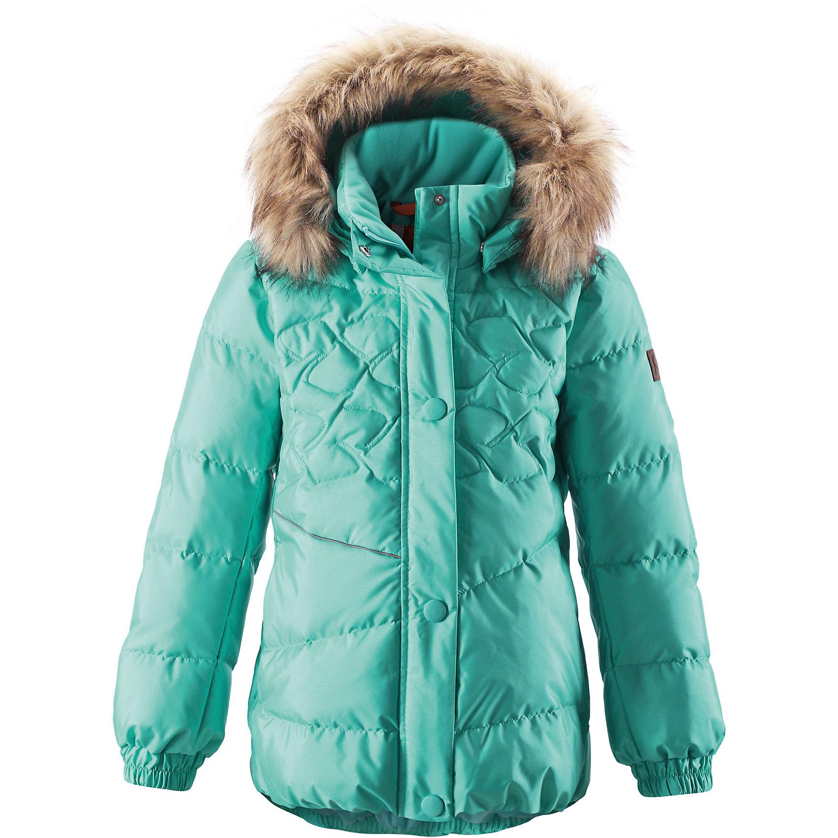 Пальто  для девочки ReimaЭтот красивый пуховик согреет детей на прогулке в холодные зимние дни! Модель для девочек пошита из ветронепроницаемого дышащего материала, который отталкивает воду и грязь, чтобы обеспечить тепло и комфорт в морозные зимние дни. Куртка с подкладкой из гладкого полиэстера легко надевается и удобно носится с тёплым промежуточным слоем. Спереди и сзади эта тёплая куртка украшена элегантной вышивкой. Сзади на талии имеется фиксированная утяжка. У этой удлинённой модели слегка пышный подол. Во время прогулки маленькие сокровища можно спрятать в два боковых кармана на молнии. Съёмный капюшон не только защищает от холодного ветра, но и безопасен. Если закреплённый кнопками капюшон зацепится за что-нибудь, он легко отстегнётся. Завершающий штрих - съёмная отделка из искусственного меха на капюшоне.<br><br> Водоотталкивающий пуховик для девочек-подростков<br> Безопасный съёмный капюшон с отстёгивающейся отделкой из искусственного меха<br> Эластичные манжеты<br> Боковые карманы на молниях<br><br>Состав:<br>55% ПА 45% ПЭ, ПУ-покрытие<br>Высокая степень утепления (до - 30)<br>Утеплитель: пух 60/40<br><br>Куртку Reima (Рейма) можно купить в нашем магазине.<br><br>Ширина мм: 356<br>Глубина мм: 10<br>Высота мм: 245<br>Вес г: 519<br>Цвет: голубой<br>Возраст от месяцев: 36<br>Возраст до месяцев: 48<br>Пол: Женский<br>Возраст: Детский<br>Размер: 104,128,122,116,110,164,158,152,140,146,134<br>SKU: 4414165