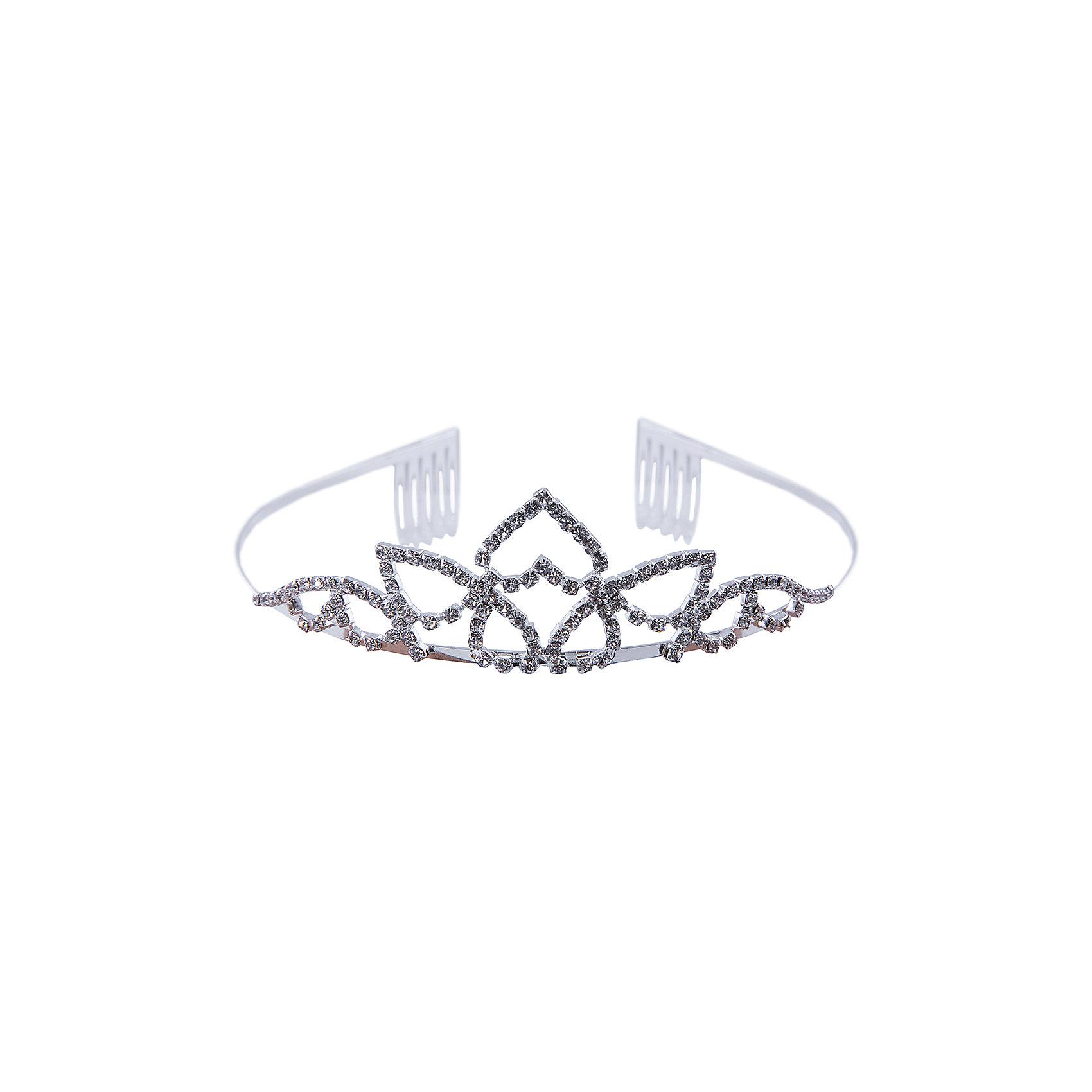 Серебрянная ТиараОбодок со стразами. Серебненная основа с красивым ажурным узором, украшеная сверкающими стразами.<br> На концах ободка удобные фиксаторы. Тиара дополнит нарядный образ образ и сделаем сверкающий акцент.<br><br>Состав: 80% металл, 20% стирол<br><br>Ширина мм: 170<br>Глубина мм: 157<br>Высота мм: 67<br>Вес г: 117<br>Возраст от месяцев: 36<br>Возраст до месяцев: 2147483647<br>Пол: Женский<br>Возраст: Детский<br>SKU: 4419528