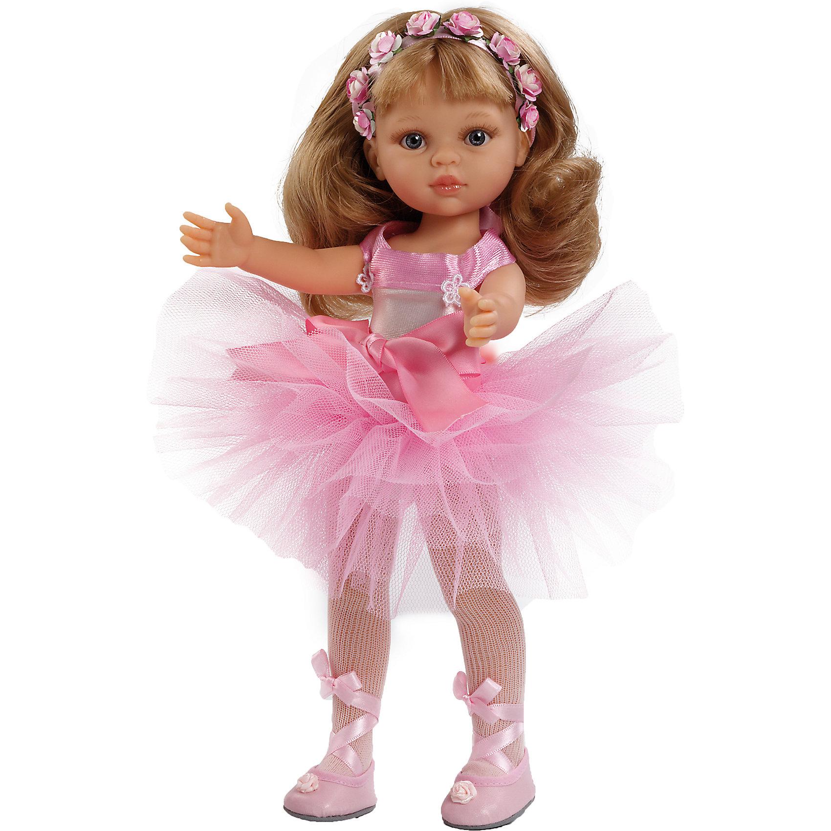 Кукла Карла балерина, 32см, Paola ReinaКлассические куклы<br>Эта очаровательная куколка приведет в восторг любую девочку! Малышка Карла обожает танцевать. Она одета в чудесное балетное платье, с пышной юбкой, и обтягивающим лифом, декорированным нежными бантами. На ногах - белые колготы и пуанты с атласными лентами. Голову куколки украшает лента украшенная прекрасными цветами. Длинные белокурые волосы куклы очень приятно расчесывать и создавать из них всевозможные прически. Куклы Паола Рейна имеют нежный ванильный аромат, одеты в модную одежду с аксессуарами. Выразительная мимика, уникальный и неповторимый дизайн лица и тела делают эти игрушки запоминающимися и уникальными. Куклы изготовлены из высококачественного винила, без вредных примесей, абсолютно безопасны для детей. <br><br>Дополнительная информация:<br><br>- Материалы: кукла изготовлена из винила; глаза выполнены в виде кристалла из прозрачного твердого пластика; волосы сделаны из высококачественного нейлона, одежда - текстиль.<br>- Размер: 32 см.<br>- Комплектация: кукла в одежде и обуви. <br>- Голова, ручки, ножки куклы подвижные.<br>- Глаза не закрываются.<br><br>Куклу Карлу балерину, 32 см, Paola Reina (Паола Рейна), можно купить в нашем магазине.<br><br>Ширина мм: 110<br>Глубина мм: 230<br>Высота мм: 410<br>Вес г: 667<br>Возраст от месяцев: 36<br>Возраст до месяцев: 144<br>Пол: Женский<br>Возраст: Детский<br>SKU: 4420318
