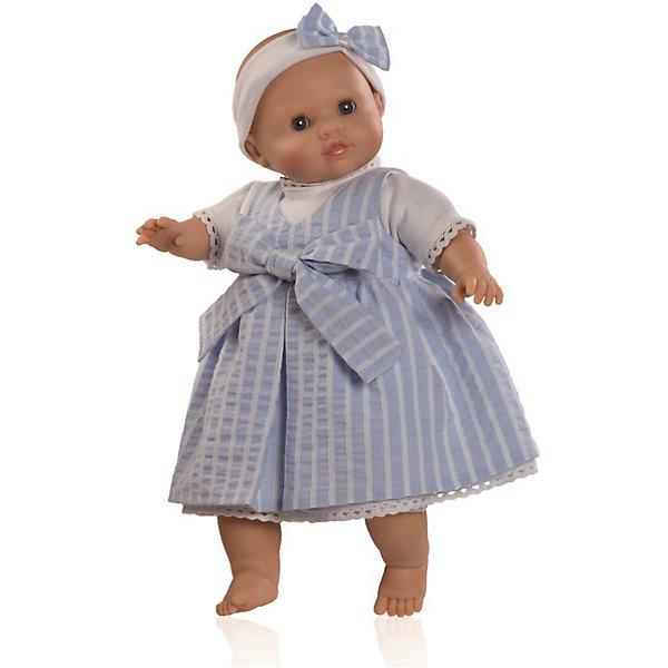 Кукла Габриэла, 36 см, Paola ReinaКуклы<br>Малышка Габриэла так похожа на настоящего младенца, что ее хочется тут же взять на руки и укачать! Куколка одета в нежно-голубой сарафан с декоративным бантом, на голове - милая полоска, украшенная таким же бантиком, как и одежда. Складочки на ручках и ножках придают куколке еще больше реалистичности. На голове у нее рельефная поверхность, имитирующая волосы. Куклы Паола Рейна с мягконабивным телом, имеют нежный ванильный аромат, одеты в модную яркую одежду с аксессуарами. Выразительная мимика, уникальный и неповторимый дизайн лица и тела, делают эти игрушки запоминающимися, уникальными и самыми любимыми. Куклы изготовлены из высококачественных материалов, абсолютно безопасных для детей. <br><br>Дополнительная информация:<br><br>- Материалы: кукла изготовлена из винила и текстиля; глаза выполнены в виде кристалла из прозрачного твердого пластика; одежда - текстиль.<br>- Размер: 36 см.<br>- Комплектация: кукла в одежде.<br>- Голова, ручки, ножки куклы подвижные.<br>- Мягконабивное тело.<br>- Нельзя мыть.<br>- Глаза закрываются.<br><br>Куклу Габриэла, 36 см, Paola Reina (Паола Рейна), можно купить в нашем магазине.<br><br>Ширина мм: 120<br>Глубина мм: 250<br>Высота мм: 420<br>Вес г: 1000<br>Возраст от месяцев: 36<br>Возраст до месяцев: 144<br>Пол: Женский<br>Возраст: Детский<br>SKU: 4420325