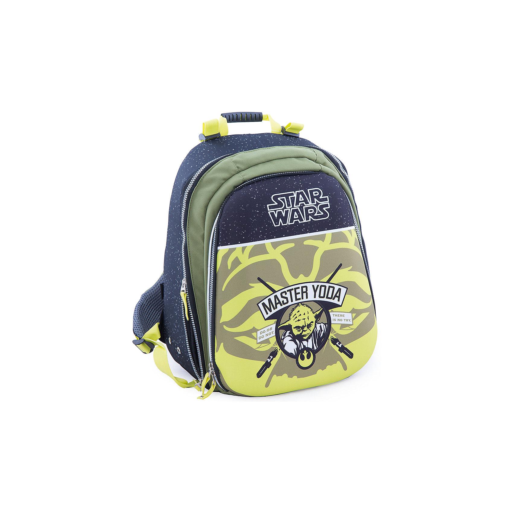 Эргономичный рюкзак Магистр Йода, Звездные войныЗвездные войны Товары для школы<br>Рюкзак с эргономичной спинкой Магистр Йода, Звездные войны – это вместительный рюкзак, отличный подарок поклонникам вселенной Star Wars!<br>Удобный рюкзак с эргономичной спинкой выполнен из полиэстера зеленого и черного цветов и оформлен оригинальным рисунком с изображением Мастера Йоды. Твердая спинка рюкзака с мягкими анатомическими вставками выполнена из воздухопроницаемого материала. Широкие мягкие регулируемые анатомические лямки позволяют снизить нагрузку на плечи. Имеется удобная ручка для переноски и светоотражающие вставки. Рюкзак оснащен одним основным отделением, закрывающимся на застежку-молнию. На внешней стороне расположен вместительный накладной карман на застежке-молнии, содержащий шесть накладных кармашков, а также два кармашка для ручек и карандашей.<br><br>Дополнительная информация:<br><br>- Материал: полиэстер<br>- Размер: 42 х 30 х 23 см.<br>- Вес: 955 гр.<br><br>Рюкзак с эргономичной спинкой Магистр Йода, Звездные войны можно купить в нашем интернет-магазине.<br><br>Ширина мм: 420<br>Глубина мм: 23<br>Высота мм: 30<br>Вес г: 1348<br>Возраст от месяцев: 72<br>Возраст до месяцев: 204<br>Пол: Мужской<br>Возраст: Детский<br>SKU: 4426624