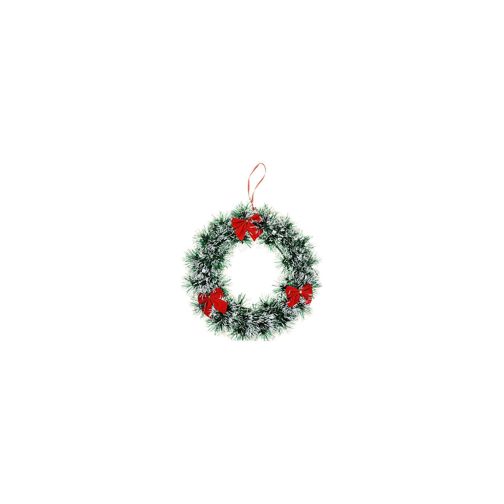 Новогодний венок, диаметр 23,5 смНовогодний венок, диаметр 23,5 см - этот новогодний аксессуар создаст праздничное настроение.<br>Новогодний венок станет замечательным украшением интерьера и поможет создать волшебную атмосферу праздника. Нарядный венок в виде сосновых веток украшен красными бантиками. Венок можно повесить на двери или стены комнаты, он будет прекрасно смотреться, и радовать детей и взрослых.<br><br>Дополнительная информация:<br><br>- Диаметр: 23,5 см.<br>- Вес: 300 гр.<br><br>Новогодний венок, диаметр 23,5 см можно купить в нашем интернет-магазине.<br><br>Ширина мм: 235<br>Глубина мм: 235<br>Высота мм: 100<br>Вес г: 300<br>Возраст от месяцев: 36<br>Возраст до месяцев: 2147483647<br>Пол: Унисекс<br>Возраст: Детский<br>SKU: 4437446
