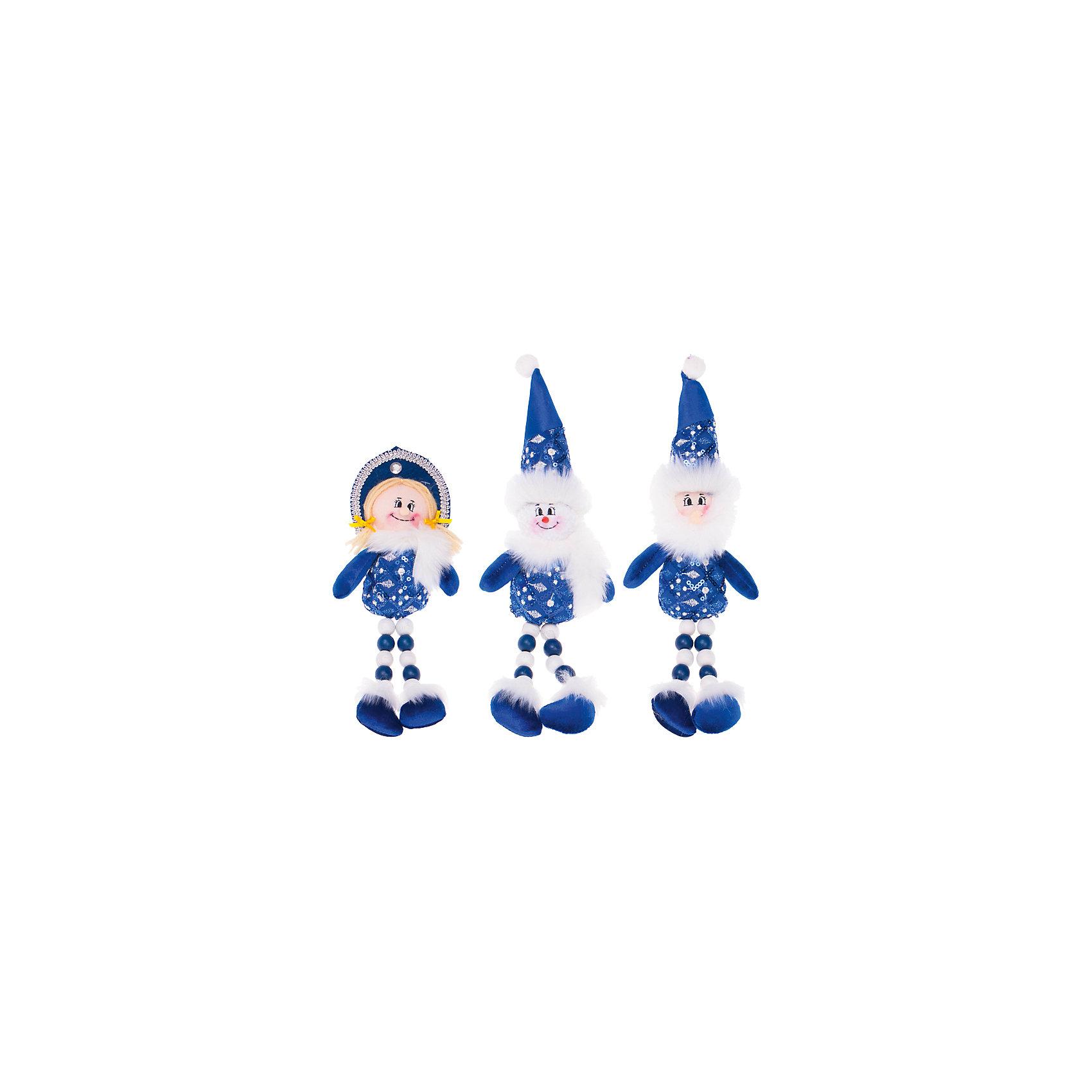 Синяя мягкая игрушка, 28 см, в ассортиментеВсё для праздника<br>Синяя мягкая игрушка, 28 см, в ассортименте - это замечательный и актуальный новогодний подарок для всех!<br>Синяя мягкая новогодняя игрушка станет замечательным украшением Вашего праздничного интерьера и приятным подарком для родных и друзей. Она порадует и взрослых и детей и поможет создать волшебную атмосферу новогодних праздников. В ассортименте представлены игрушки, выполненные в виде Деда Мороза, Снегурочки и снеговика.<br><br>Дополнительная информация:<br><br>- В ассортименте 3 вида: Дед Мороз, Снеговик, Снегурочка<br>- Высота: 28 см.<br>- Цвет: синий<br>- ВНИМАНИЕ! Данный артикул представлен в разных вариантах исполнения. К сожалению, заранее выбрать определенный вариант невозможно. При заказе нескольких игрушек возможно получение одинаковых<br><br>Синюю мягкую игрушку, 28 см, в ассортименте можно купить в нашем интернет-магазине.<br><br>Ширина мм: 100<br>Глубина мм: 10<br>Высота мм: 280<br>Вес г: 50<br>Возраст от месяцев: 36<br>Возраст до месяцев: 2147483647<br>Пол: Унисекс<br>Возраст: Детский<br>SKU: 4437448