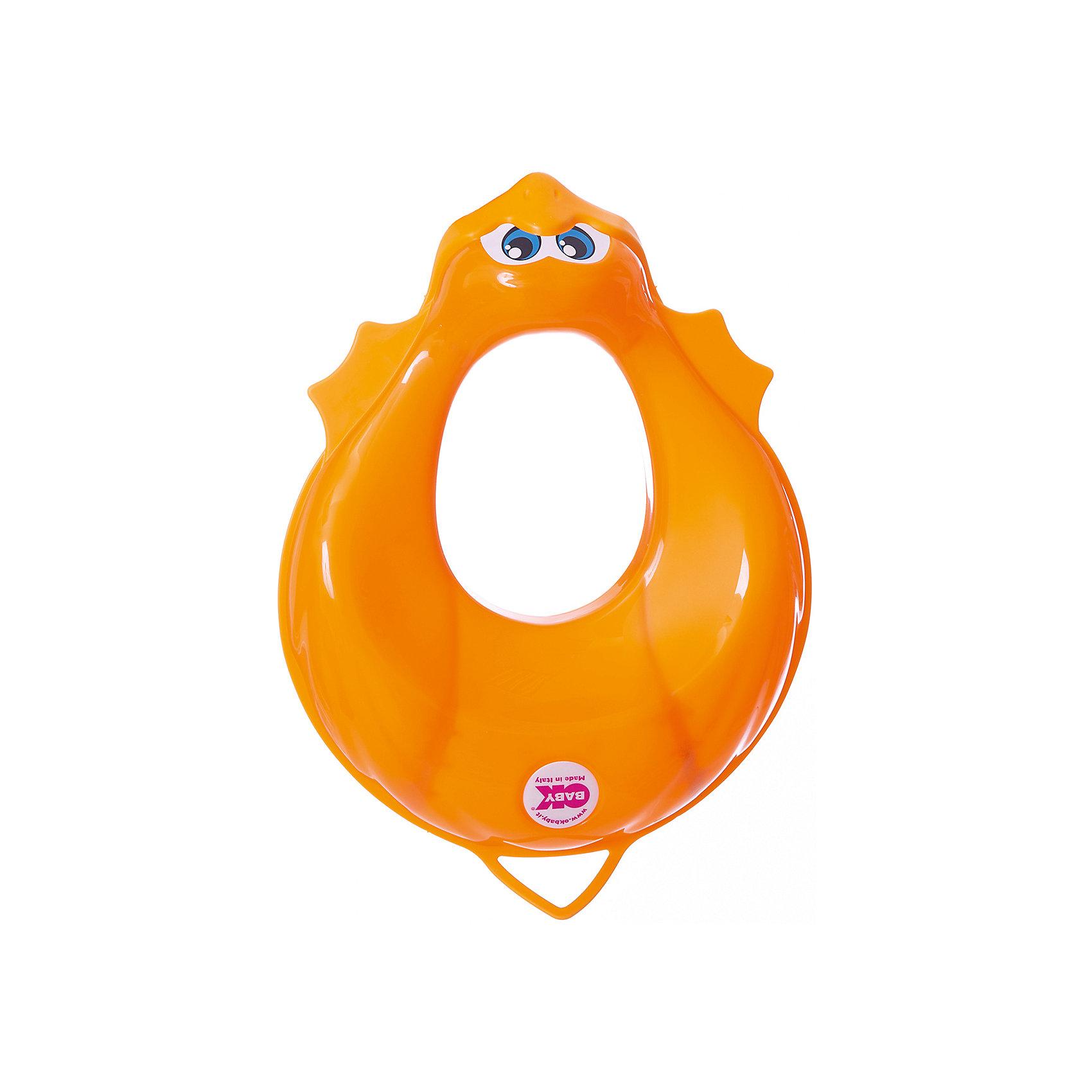 Накладка на унитаз, Ducka, Ok Baby, оранжевыйГоршки, сиденья для унитаза, стульчики-подставки<br>Накладка на унитаз выполнена из высококачественных материалов, имеет привлекательный дизайн и яркий цвет. Сиденье обязательно понравится ребенку и поможет быстро приучить кроху к унитазу. Поверхность, выполненная из мягкой резины, не позволит накладке соскользнуть или изменить свое положение в то время, когда ребенок сидит на ней, обеспечит безопасность и комфорт. <br><br>Дополнительная информация:<br><br>- Материал: пластик, резина.<br>- Размер: 32,5х9,5х41 см.<br>- Анатомическая форма. <br>- Подходит для унитазов разных форм и размеров. <br>- Яркий, привлекательный дизайн. <br><br>Накладку на унитаз, Ducka, Ok Baby, оранжевую, можно купить в нашем магазине.<br><br>Ширина мм: 950<br>Глубина мм: 410<br>Высота мм: 325<br>Вес г: 800<br>Возраст от месяцев: 12<br>Возраст до месяцев: 48<br>Пол: Унисекс<br>Возраст: Детский<br>SKU: 4443716
