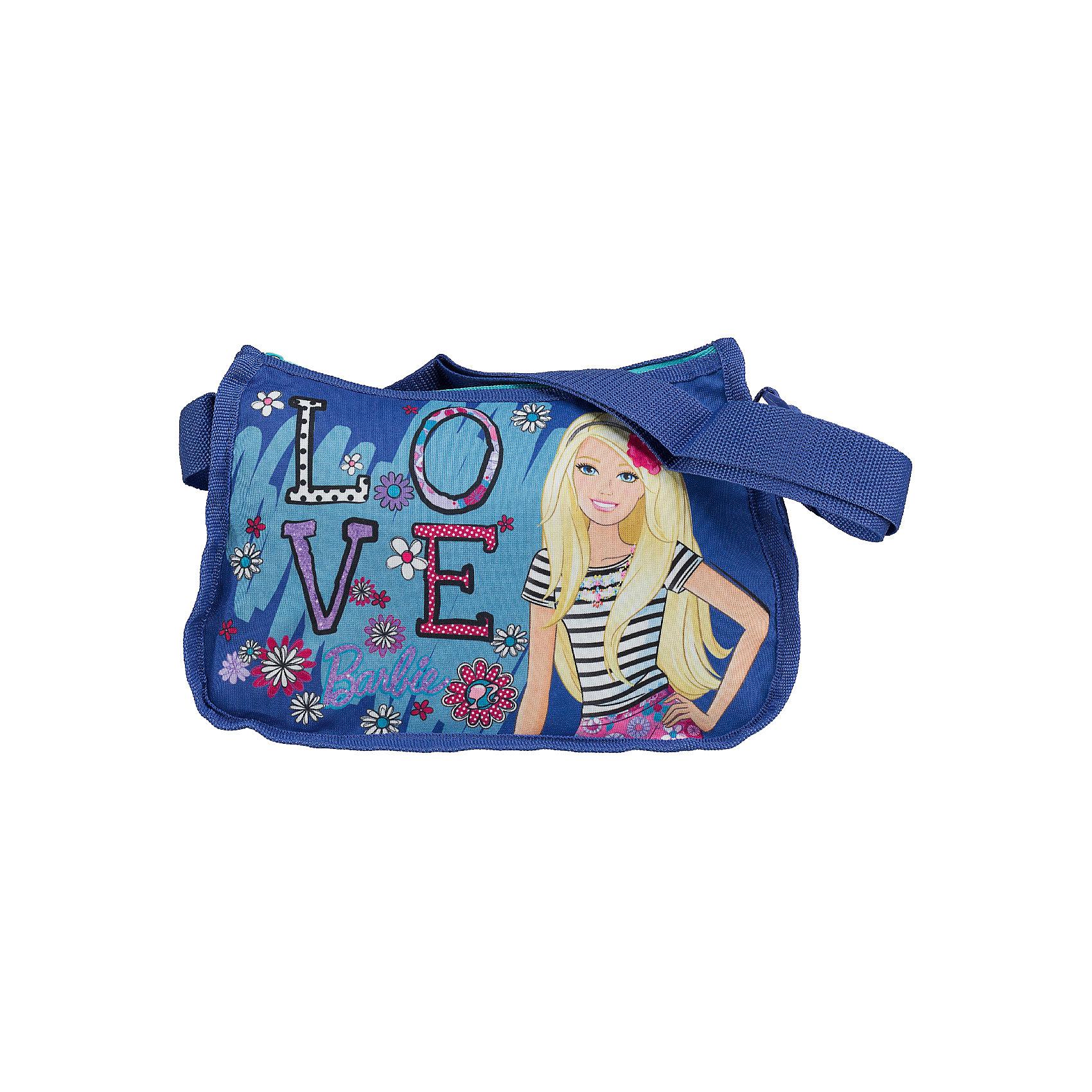 Сумочка 20*26*12 см, BarbieСумочка Barbie - комфортная и стильная сумочка, которая непременно понравится маленькой моднице. Сумка выполнена в приятных синих тонах и украшена изображением очаровательной красавицы Барби и ярким цветочным принтом. Сумочка застегивается на застежку-молнию,<br>внутри одно просторное отделение, куда можно положить все необходимые принадлежности и аксессуары. Для ношения через плечо предусмотрен широкий регулируемый ремешок.  <br><br>Дополнительная информация:<br><br>- Материал: полиэстер, текстиль.<br>- Размер: 20 х 26 х 12 см.<br>- Вес: 120 гр.<br><br>Сумочку 20*26*12 см., Barbie, можно купить в нашем интернет-магазине.<br><br>Ширина мм: 120<br>Глубина мм: 260<br>Высота мм: 200<br>Вес г: 111<br>Возраст от месяцев: 96<br>Возраст до месяцев: 108<br>Пол: Женский<br>Возраст: Детский<br>SKU: 4489522