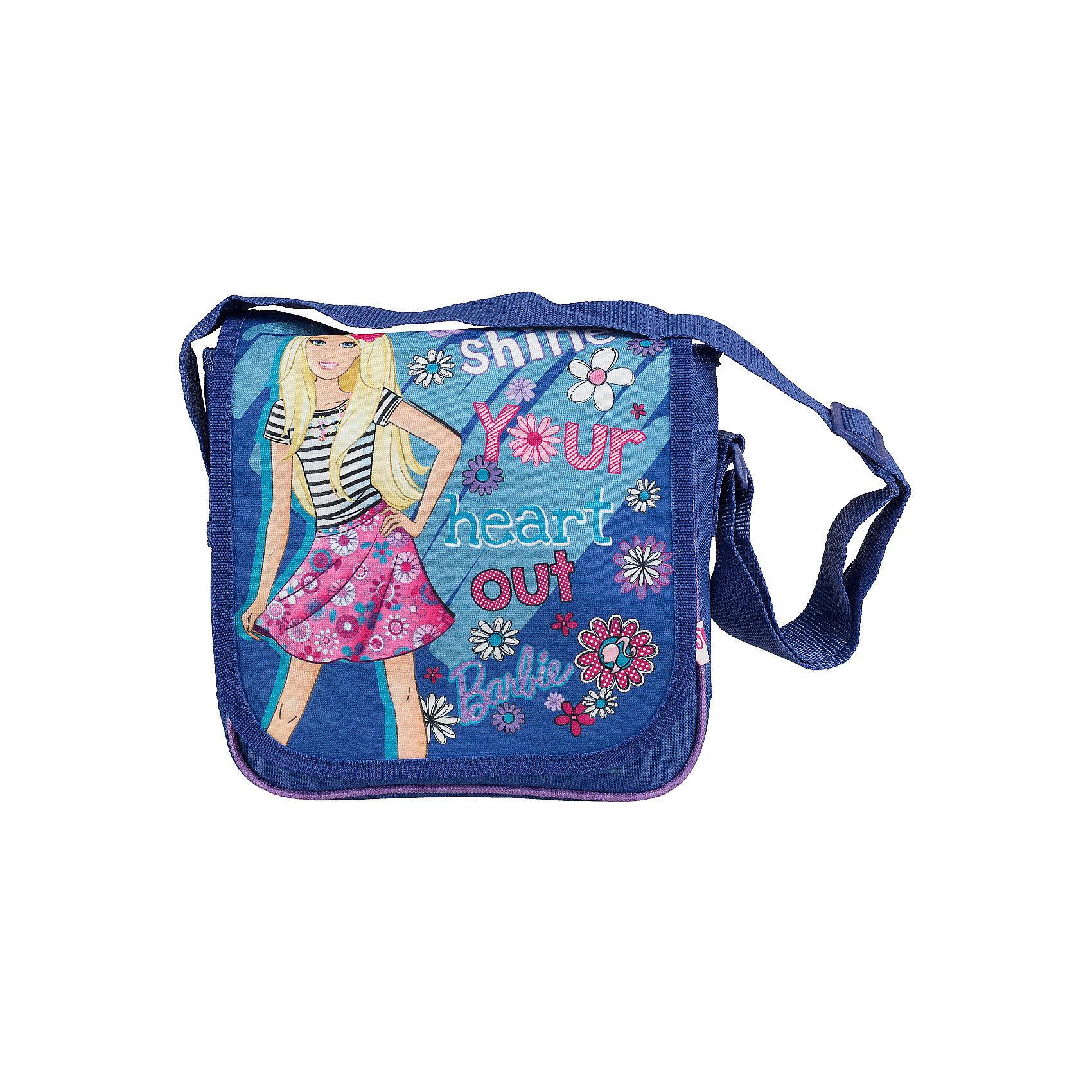 Сумочка 21,5*22*7,5 см, BarbieДетские сумки<br>Сумочка Barbie - комфортная и стильная сумочка, с которой Вашей девочке будет приятно ходить и на школьные занятия и на прогулку. Сумка выполнена в синих и фиолетовых тонах и украшена изображением очаровательной красавицы Барби и ярким цветочным принтом. Сумочка<br>закрывается откидным клапаном на липучках, внутри одно просторное отделение на молнии, куда можно положить все необходимые принадлежности и аксессуары. Для ношения через плечо предусмотрен широкий регулируемый ремешок.  <br><br>Дополнительная информация:<br><br>- Материал: полиэстер.<br>- Размер: 21,5 х 22 х 7,5 см.<br>- Вес: 0,175 кг.<br><br>Сумочку 21,5*22*7,5 см., Barbie, можно купить в нашем интернет-магазине.<br><br>Ширина мм: 75<br>Глубина мм: 220<br>Высота мм: 215<br>Вес г: 169<br>Возраст от месяцев: 96<br>Возраст до месяцев: 108<br>Пол: Женский<br>Возраст: Детский<br>SKU: 4489523