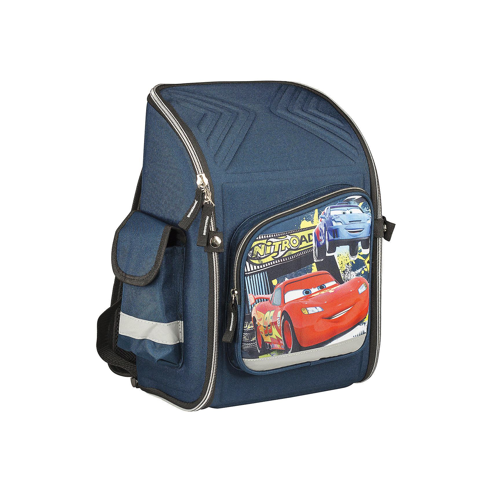 Школьный ранец-трансформер с EVA-спинкой, ТачкиТачки<br>Ранец-трансформер с EVA-спинкой, Тачки - идеальный вариант для школьных занятий. Ранец выполнен из прочного водонепроницаемого полиэстера темно-синей расцветки и имеет оригинальный спортивный дизайн в стиле популярного диснеевского мультфильма Cars. Благодаря плотной профилактической EVA-спинке позвоночник ребенка не будет испытывать больших нагрузок во время эксплуатации рюкзака. Широкие лямки с поролоном и воздухообменным сетчатым материалом регулируются по длине и равномерно распределяют нагрузку на плечевой пояс. Также есть удобная прорезиненная ручка, за которую можно нести ранец. Изделие имеет жёсткий каркас, при необходимости легко складывается для удобного хранения. <br><br>Ранец закрывается на застежку-молнию. Внутри основное отделение на молнии с двумя разделителями, которые фиксируются резинкой, чтобы избежать движения предметов. На лицевой стороне расположен большой накладной карман на молнии, а также два маленьких кармана по<br>бокам. Светоотражающие элементы обеспечивают безопасность в темное время суток.<br><br>Дополнительная информация:<br><br>- Материал: полиэстер, текстиль. <br>- Размер: 34,5 х 26 х 13 см.<br>- Вес: 0,65 кг.<br><br>Ранец-трансформер с EVA-спинкой, Тачки, можно купить в нашем интернет-магазине.<br><br>Ширина мм: 345<br>Глубина мм: 260<br>Высота мм: 130<br>Вес г: 650<br>Возраст от месяцев: 72<br>Возраст до месяцев: 84<br>Пол: Мужской<br>Возраст: Детский<br>SKU: 4489528