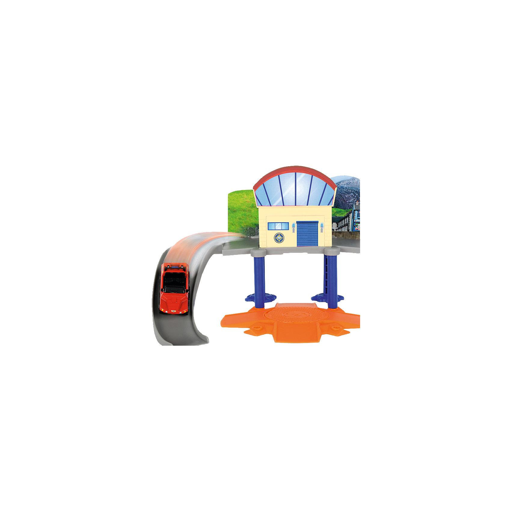Морской гараж с машинкой, Пожарный Сэм, DickieПарковки и гаражи<br>Морской гараж с машинкой, Пожарный Сэм, Dickie (Дики) – этот набор, несомненно, придется по душе вашему мальчику и не позволит ему скучать.<br>Увлекательный игровой набор «Морской гараж с машинкой» от Dickie (Дики) создан по мотивам мультфильма «Пожарный Сэм». Он представляет собой базу морских спасателей из команды Сэма. Морской гараж оборудован горкой с бортиками для спуска машинки, круговой платформой, которая вращается на 360 градусов, устойчивыми стойками, которые отвечают за опорную функцию гаража. В набор входит металлическая машина пляжного спасателя. Машинка изготовлена в соответствии с внешним видом настоящих служебных машин спасателей. С набором «Морской гараж с машинкой» ваш ребенок почувствует себя в роли настоящего спасателя, и справиться с любыми опасностями! Благодаря откидывающейся боковой панели набор можно объединить с Пожарным гаражом (3099619), который продается отдельно, что сделает сюжетно-ролевые игры еще веселее.<br><br>Дополнительная информация:<br><br>- В наборе: детали гаража, машинка Hydrus<br>- Размер собранного гаража: 30 x 30 x 10 см.<br>- Масштаб машинки 1:64<br>- Материал: высококачественный пластик, металл, картон<br>- Размер упаковки: 25 x 9 x 16 см.<br>- Вес: 1 кг.<br><br>Морской гараж с машинкой, Пожарный Сэм, Dickie (Дики) можно купить в нашем интернет-магазине.<br><br>Ширина мм: 250<br>Глубина мм: 90<br>Высота мм: 160<br>Вес г: 1000<br>Возраст от месяцев: 36<br>Возраст до месяцев: 72<br>Пол: Мужской<br>Возраст: Детский<br>SKU: 4490482