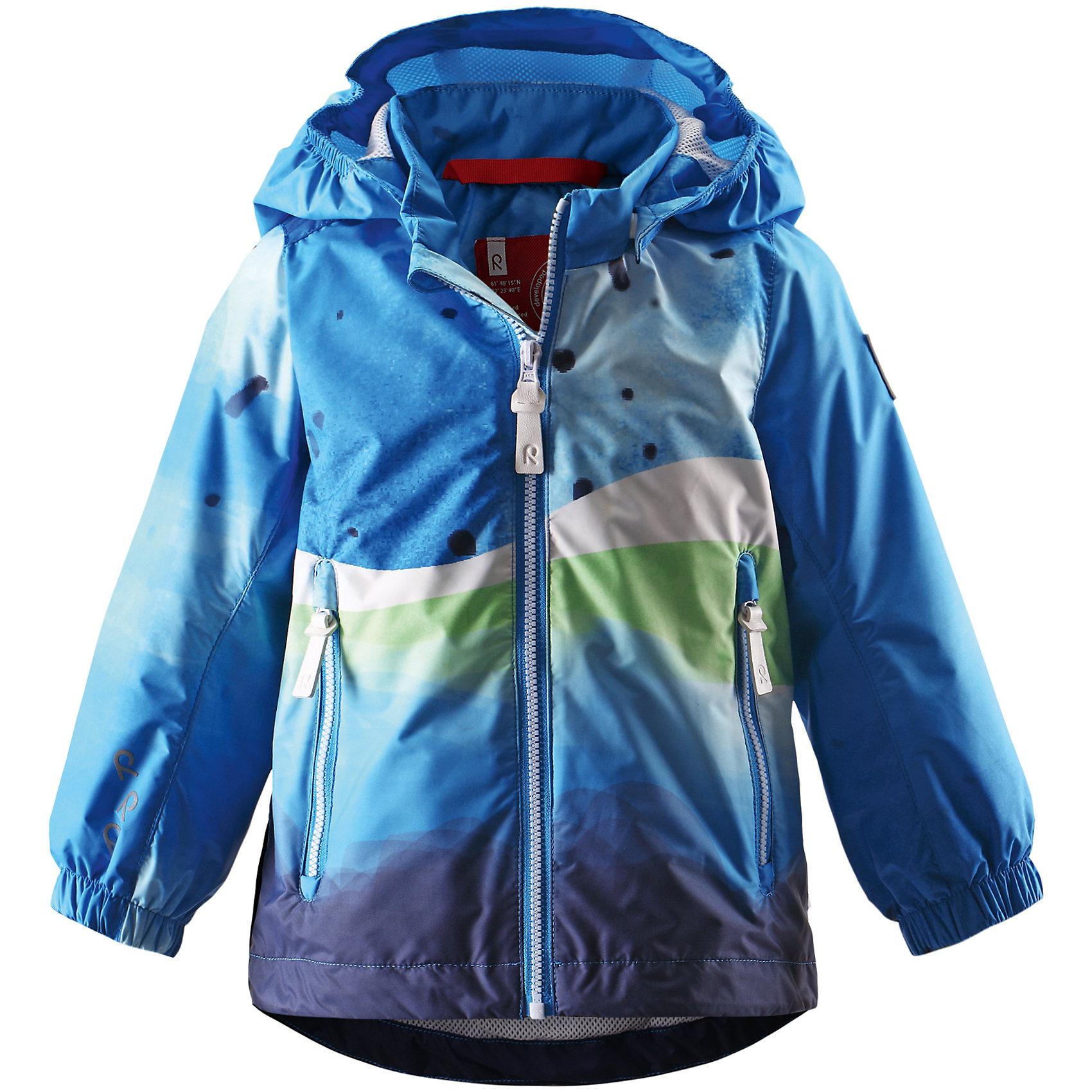 Куртка для мальчика ReimaЛегкая куртка-ветровка для малышей – специально для межсезонья. Материал также выдержит неожиданное попадание на него воды. Подкладка из сетки для лучшей вентиляции и комфорта. Отстегивающийся капюшон и светоотражающие детали гарантируют дополнительную безопасность во время игр на воздухе, а карманы на молнии обеспечат достаточно места для хранения наиболее ценных мелочей.<br><br>Дополнительная информация:<br><br>Куртка демисезонная для малышей<br>Водонепроницаемость 5000 мм<br>Водоотталкивающий, ветронепроницаемый и «дышащий» материал<br>Подкладка из mesh-сетки<br>Безопасный, съемный капюшон<br>Регулируемый подол<br>Состав:<br>100% ПЭ, ПУ-покрытие<br>Уход:<br>Стирать по отдельности, вывернув наизнанку. Застегнуть молнии и липучки. Стирать моющим средством, не содержащим отбеливающие вещества. Полоскать без специального средства. Во избежание изменения цвета изделие необходимо вынуть из стиральной машинки незамедлительно после окончания программы стирки. Сушить при низкой температуре.<br><br>Ширина мм: 356<br>Глубина мм: 10<br>Высота мм: 245<br>Вес г: 519<br>Цвет: голубой<br>Возраст от месяцев: 6<br>Возраст до месяцев: 9<br>Пол: Мужской<br>Возраст: Детский<br>Размер: 74,98,86,80,92<br>SKU: 4497221