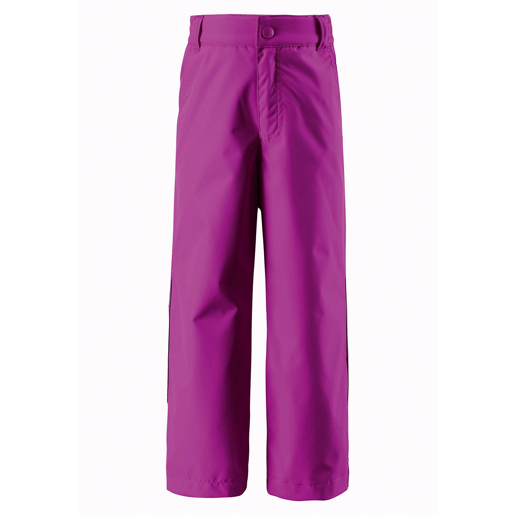 Брюки для девочки ReimaОдежда<br>Эти практичные, водо- и грязеотталкивающие демисезонные брюки выполнены из прочного, но легкого материала. Они превосходно носятся круглый год: в холодную погоду просто добавьте слои Reima под брюки. Ширинка на молнии облегчает процесс одевания. Если вы выберите брюки большего размера на вырост, вы можете использовать застежку-липучку для регулировки низа брючин, чтобы ребенок не наступал на сползающую брючину.<br><br>Дополнительная информация:<br><br>Брюки демисезонные для детей<br>Основные швы проклеены и не пропускают влагу<br>Водоотталкивающий, ветронепроницаемый, «дышащий» и грязеотталкивающий материал<br>Регулируемый обхват талии<br>Липучки на штанинах<br>Ширинка на молнии<br>Два боковых кармана<br>Состав:<br>100% ПЭ, ПУ-покрытие<br>Уход:<br>Стирать по отдельности, вывернув наизнанку. Застегнуть молнии и липучки. Стирать моющим средством, не содержащим отбеливающие вещества. Полоскать без специального средства. Во избежание изменения цвета изделие необходимо вынуть из стиральной машинки незамедлительно после окончания программы стирки. Сушить при низкой температуре.<br><br>Ширина мм: 215<br>Глубина мм: 88<br>Высота мм: 191<br>Вес г: 336<br>Цвет: розовый<br>Возраст от месяцев: 24<br>Возраст до месяцев: 36<br>Пол: Женский<br>Возраст: Детский<br>Размер: 98,128,122,116,104,140,134,110,92<br>SKU: 4497427