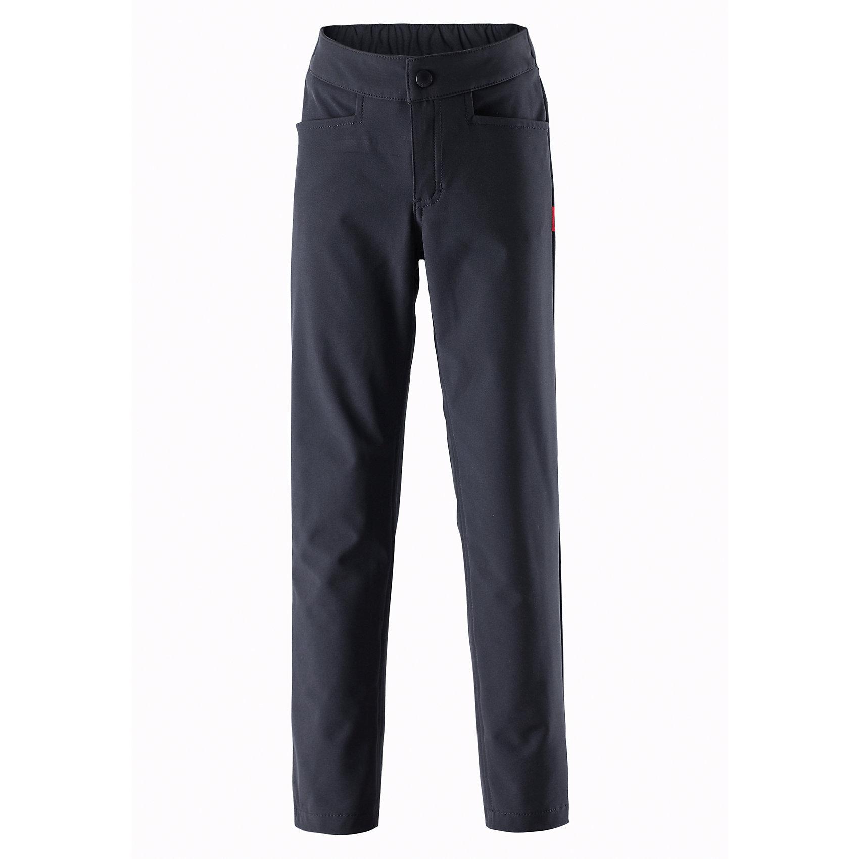 Брюки для мальчика ReimaБрюки<br>Эти легкие зауженные брюки для подростков из материала softshell станут настоящим фаворитом гардероба. Их можно надеть в школу и после школы, взять с собой в летний лагерь и на водную прогулку. Материал брюк не только ветрозащитный и дышащий, он также обладает водо- и грязеотталкивающими свойствами. Ширинка на молнии и застежка-пуговичка упрощают надевание. Полная игростойкость!<br><br>Дополнительная информация:<br><br>Брюки из материала softshell для подростков<br>Из ветронепроницаемого материала, но изделие «дышит»<br>Зауженная модель<br>Эластичная талия<br>Два кармана на молнии<br>Состав:<br>96% ПЭ 4% ЭЛ, ПУ-ламинация<br>Уход:<br>Стирать по отдельности, вывернув наизнанку. Застегнуть молнии и липучки. Стирать моющим средством, не содержащим отбеливающие вещества. Полоскать без специального средства. Во избежание изменения цвета изделие необходимо вынуть из стиральной машинки незамедлительно после окончания программы стирки. Сушить при низкой температуре.<br><br>Ширина мм: 215<br>Глубина мм: 88<br>Высота мм: 191<br>Вес г: 336<br>Цвет: черный<br>Возраст от месяцев: 36<br>Возраст до месяцев: 48<br>Пол: Мужской<br>Возраст: Детский<br>Размер: 104,140,116,146,122,128,134,158,164,110,152<br>SKU: 4497583