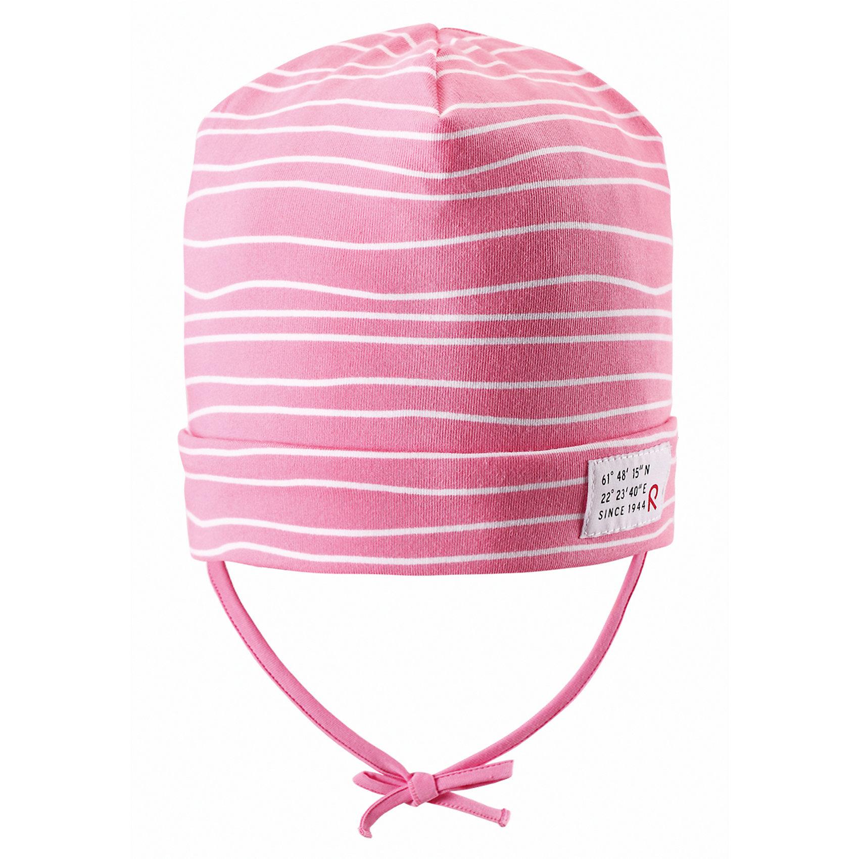 Шапка для девочки ReimaВесна пришла! А к весне мы подготовили эту легкую шапочку для малышей свежей расцветки с УФ-защитой 40+. Шапочка изготовлена из дышащего и быстросохнущего материла Play Jersey®, эффективно выводящего влагу с кожи. Идеальный выбор для активных прогулок на весеннем солнышке! <br><br>Дополнительная информация:<br><br>Трикотажная шапка «Бини» для малышей<br>Быстросохнущий материал Play Jersey, приятный на ощупь<br>Мягкий хлопчатобумажный верх, внутренняя поверхность хорошо выводит влагу<br>Фактор защиты от ультрафиолета 40+<br>Сплошная подкладка: отводящий влагу материал Play Jersey<br>Логотип Reima® сбоку<br>Состав:<br>65% ХЛ 30% ПЭ 5% ЭЛ<br>Уход:<br>Стирать с бельем одинакового цвета, вывернув наизнанку. Полоскать без специального средства. Придать первоначальную форму вo влажном виде.<br><br>Ширина мм: 89<br>Глубина мм: 117<br>Высота мм: 44<br>Вес г: 155<br>Цвет: розовый<br>Возраст от месяцев: 60<br>Возраст до месяцев: 72<br>Пол: Женский<br>Возраст: Детский<br>Размер: 52,46,48,50<br>SKU: 4497776