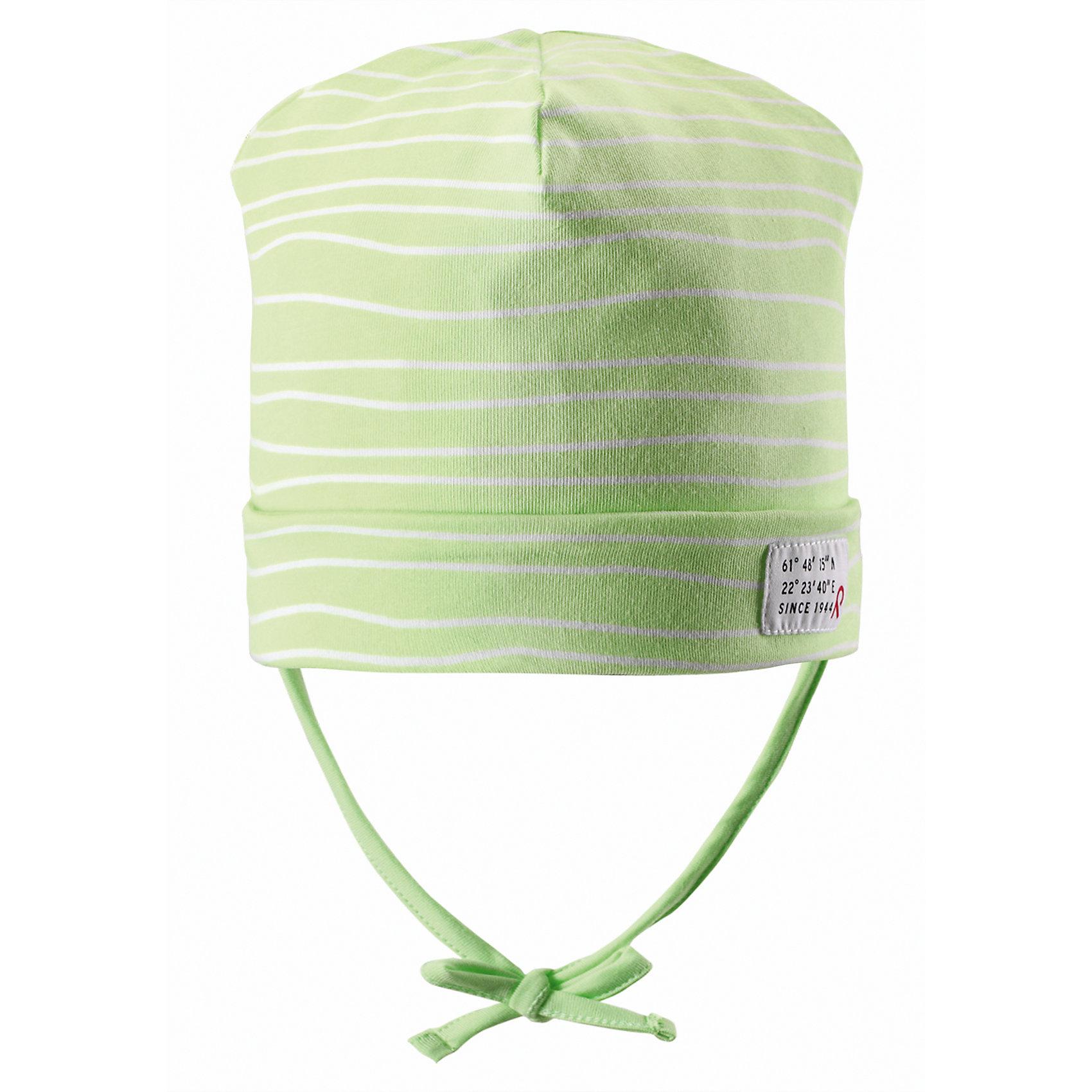 Шапка ReimaШапки и шарфы<br>Весна пришла! А к весне мы подготовили эту легкую шапочку для малышей свежей расцветки с УФ-защитой 40+. Шапочка изготовлена из дышащего и быстросохнущего материла Play Jersey®, эффективно выводящего влагу с кожи. Идеальный выбор для активных прогулок на весеннем солнышке! <br><br>Дополнительная информация:<br><br>Трикотажная шапка «Бини» для малышей<br>Быстросохнущий материал Play Jersey, приятный на ощупь<br>Мягкий хлопчатобумажный верх, внутренняя поверхность хорошо выводит влагу<br>Фактор защиты от ультрафиолета 40+<br>Сплошная подкладка: отводящий влагу материал Play Jersey<br>Логотип Reima® сбоку<br>Состав:<br>65% ХЛ 30% ПЭ 5% ЭЛ<br>Уход:<br>Стирать с бельем одинакового цвета, вывернув наизнанку. Полоскать без специального средства. Придать первоначальную форму вo влажном виде.<br><br>Ширина мм: 89<br>Глубина мм: 117<br>Высота мм: 44<br>Вес г: 155<br>Цвет: желтый<br>Возраст от месяцев: 60<br>Возраст до месяцев: 72<br>Пол: Унисекс<br>Возраст: Детский<br>Размер: 52,46,50,48<br>SKU: 4498021