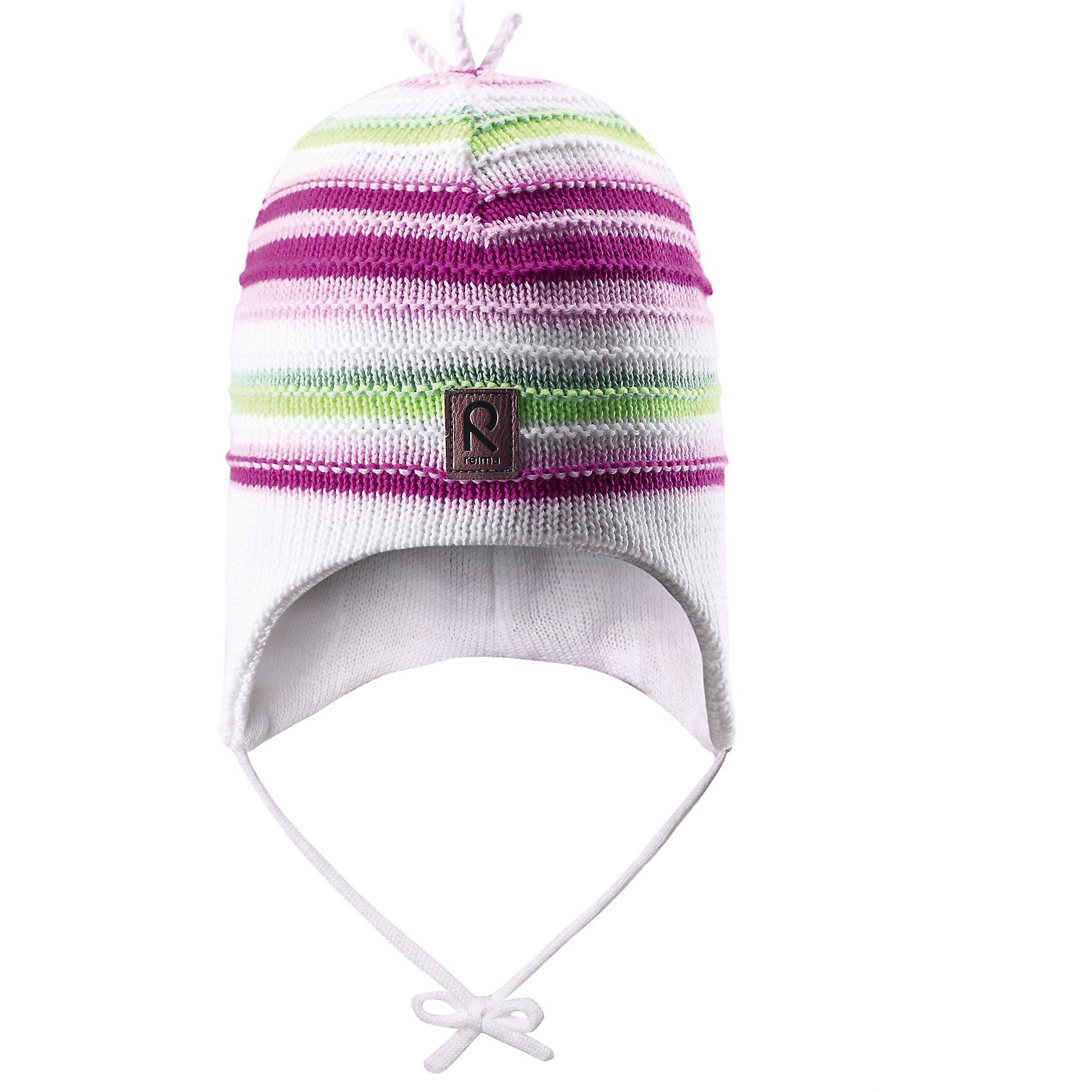 Шапка для девочки ReimaВесне мы дарим свежесть красок! Эта веселая полосатая шапочка для малышей — идеальный выбор для теплых весенних деньков. Она изготовлена из мягкого вязаного хлопка и имеет ветронепроницаемые вставки, которые обеспечат ушкам надежную защиту. <br><br>Дополнительная информация:<br><br>Шапка «Бини» для малышей<br>Эластичная хлопчатобумажная ткань<br>Ветронепроницаемые вставки в области ушей<br>Частичная подкладка: хлопчатобумажная ткань<br>Логотип Reima® спереди<br>Состав:<br>100% хлопок<br>Уход:<br>Стирать по отдельности, вывернув наизнанку. Придать первоначальную форму вo влажном виде. Возможна усадка 5 %.<br><br>Ширина мм: 89<br>Глубина мм: 117<br>Высота мм: 44<br>Вес г: 155<br>Цвет: белый<br>Возраст от месяцев: 9<br>Возраст до месяцев: 12<br>Пол: Женский<br>Возраст: Детский<br>Размер: 46,48,52,50<br>SKU: 4498050