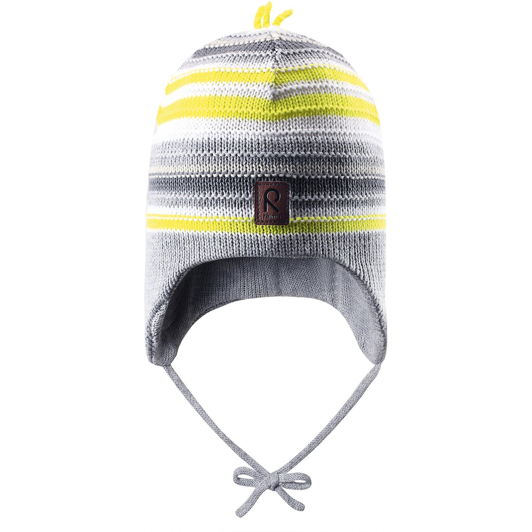 Шапка для мальчика ReimaВесне мы дарим свежесть красок! Эта веселая полосатая шапочка для малышей — идеальный выбор для теплых весенних деньков. Она изготовлена из мягкого вязаного хлопка и имеет ветронепроницаемые вставки, которые обеспечат ушкам надежную защиту. <br><br>Дополнительная информация:<br><br>Шапка «Бини» для малышей<br>Эластичная хлопчатобумажная ткань<br>Ветронепроницаемые вставки в области ушей<br>Частичная подкладка: хлопчатобумажная ткань<br>Логотип Reima® спереди<br>Состав:<br>100% хлопок<br>Уход:<br>Стирать по отдельности, вывернув наизнанку. Придать первоначальную форму вo влажном виде. Возможна усадка 5 %.<br><br>Ширина мм: 89<br>Глубина мм: 117<br>Высота мм: 44<br>Вес г: 155<br>Цвет: серый<br>Возраст от месяцев: 12<br>Возраст до месяцев: 24<br>Пол: Мужской<br>Возраст: Детский<br>Размер: 48,46,50,52<br>SKU: 4498070