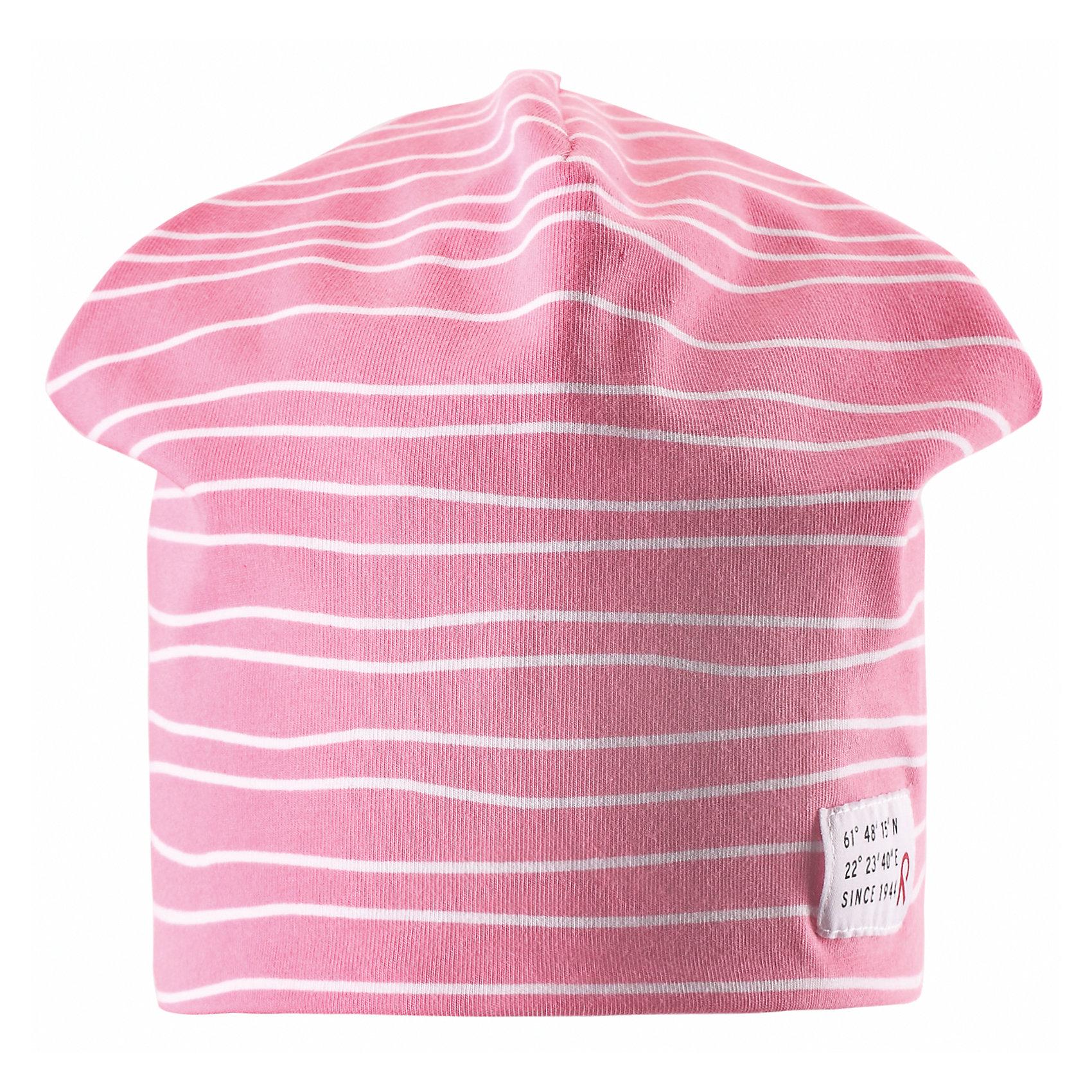 Шапка для девочки ReimaЭта эффектная шапочка свежей расцветки для малышей и детей постарше — великолепный выбор для всех маленьких покорителей природы! Шапочка изготовлена из простого в уходе и быстросохнущего материла Play Jersey®, эффективно выводящего влагу с кожи во время подвижных игр на свежем воздухе. Обратите внимание, что она имеет УФ-защиту 40+. Стиля много не бывает! Озорная двухсторонняя шапочка в одно мгновение превращается из полосатой в однотонную! <br><br>Дополнительная информация:<br><br>Двухсторонняя шапка «Бини» для детей и малышей<br>Быстросохнущий материал Play Jersey, приятный на ощупь<br>Фактор защиты от ультрафиолета 40+<br>Двухсторонняя модель<br>Сплошная подкладка: отводящий влагу материал Play Jersey<br>Логотип Reima® спереди<br>Веселые цветовые сочетания<br>Состав:<br>65% ХЛ 30% ПЭ 5% ЭЛ<br>Уход:<br>Стирать с бельем одинакового цвета, вывернув наизнанку. Полоскать без специального средства. Придать первоначальную форму вo влажном виде.<br><br>Ширина мм: 89<br>Глубина мм: 117<br>Высота мм: 44<br>Вес г: 155<br>Цвет: розовый<br>Возраст от месяцев: 84<br>Возраст до месяцев: 144<br>Пол: Женский<br>Возраст: Детский<br>Размер: 56,50,54,52<br>SKU: 4498123