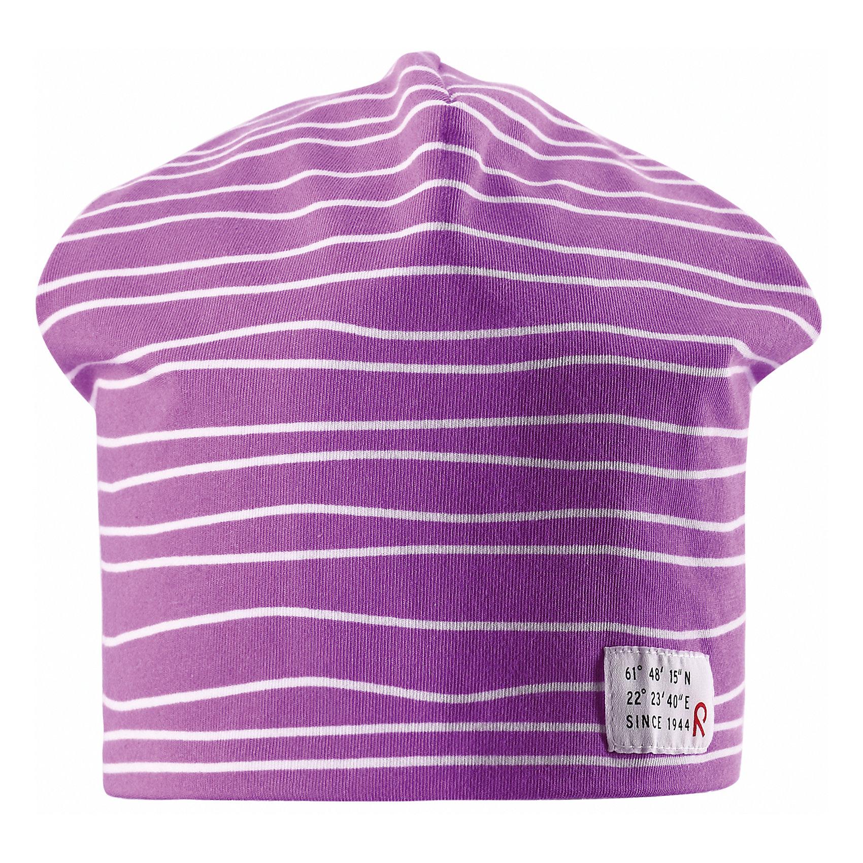 Шапка для девочки ReimaЭта эффектная шапочка свежей расцветки для малышей и детей постарше — великолепный выбор для всех маленьких покорителей природы! Шапочка изготовлена из простого в уходе и быстросохнущего материла Play Jersey®, эффективно выводящего влагу с кожи во время подвижных игр на свежем воздухе. Обратите внимание, что она имеет УФ-защиту 40+. Стиля много не бывает! Озорная двухсторонняя шапочка в одно мгновение превращается из полосатой в однотонную! <br><br>Дополнительная информация:<br><br>Двухсторонняя шапка «Бини» для детей и малышей<br>Быстросохнущий материал Play Jersey, приятный на ощупь<br>Фактор защиты от ультрафиолета 40+<br>Двухсторонняя модель<br>Сплошная подкладка: отводящий влагу материал Play Jersey<br>Логотип Reima® спереди<br>Веселые цветовые сочетания<br>Состав:<br>65% ХЛ 30% ПЭ 5% ЭЛ<br>Уход:<br>Стирать с бельем одинакового цвета, вывернув наизнанку. Полоскать без специального средства. Придать первоначальную форму вo влажном виде.<br><br>Ширина мм: 89<br>Глубина мм: 117<br>Высота мм: 44<br>Вес г: 155<br>Цвет: розовый<br>Возраст от месяцев: 60<br>Возраст до месяцев: 72<br>Пол: Женский<br>Возраст: Детский<br>Размер: 52,54,56,50<br>SKU: 4498128