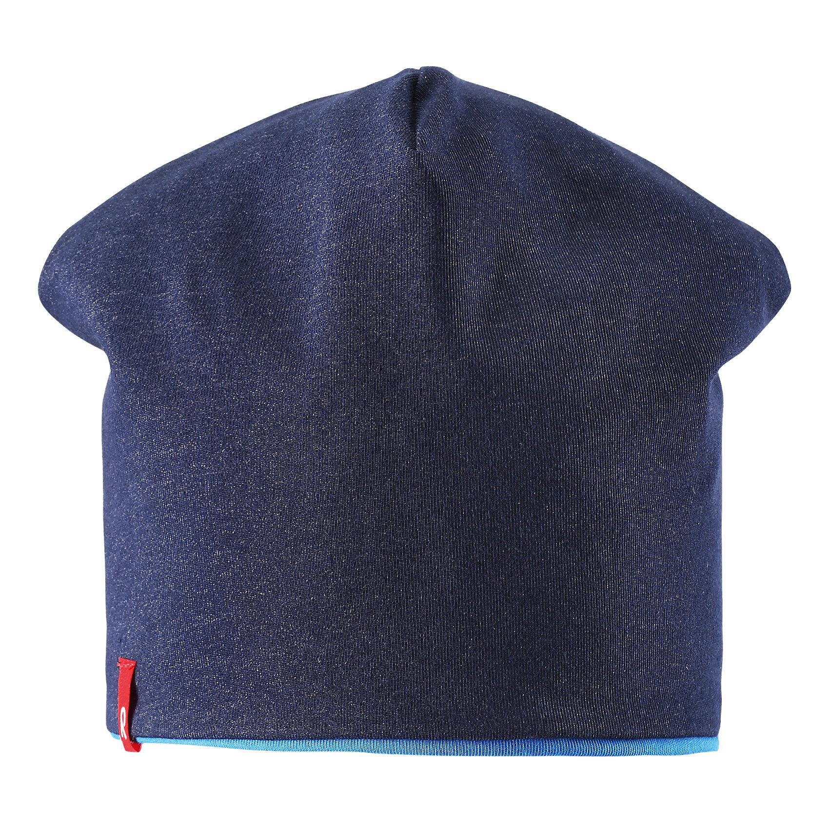 Шапка для мальчика ReimaЭта яркая шапочка свежей расцветки для малышей и детей постарше идеально подойдет для веселых весенних приключений! Она изготовлена из простого в уходе и быстросохнущего материла Play Jersey®, эффективно выводящего влагу с кожи во время подвижных игр на свежем воздухе. Обратите внимание, что она имеет УФ-защиту 40+. Стиля много не бывает! Озорная двухсторонняя шапочка в одно мгновение превращается из полосатой в однотонную! <br><br>Дополнительная информация:<br><br>Двухсторонняя шапка «Бини» для детей и малышей<br>Быстросохнущий материал Play Jersey, приятный на ощупь<br>Фактор защиты от ультрафиолета 40+<br>Двухсторонняя модель<br>Сплошная подкладка: отводящий влагу материал Play Jersey<br>Логотип Reima® спереди<br>Состав:<br>65% ХЛ 30% ПЭ 5% ЭЛ<br>Уход:<br>Стирать с бельем одинакового цвета, вывернув наизнанку. Полоскать без специального средства. Придать первоначальную форму вo влажном виде.<br><br>Ширина мм: 89<br>Глубина мм: 117<br>Высота мм: 44<br>Вес г: 155<br>Цвет: голубой<br>Возраст от месяцев: 9<br>Возраст до месяцев: 12<br>Пол: Мужской<br>Возраст: Детский<br>Размер: 46,48,54,56,52,50<br>SKU: 4498237
