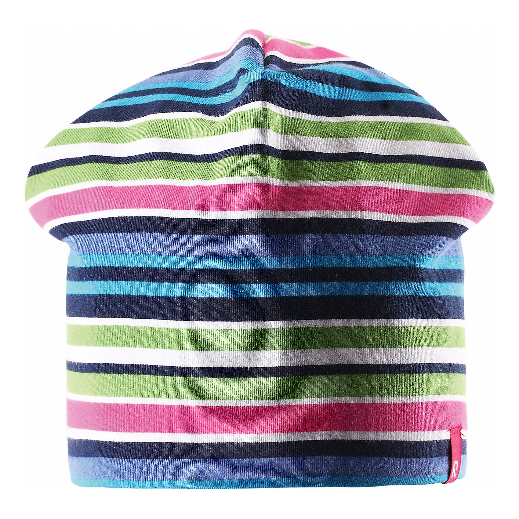 Шапка для девочки ReimaШапки и шарфы<br>Эта яркая шапочка свежей расцветки для малышей и детей постарше идеально подойдет для веселых весенних приключений! Она изготовлена из простого в уходе и быстросохнущего материла Play Jersey®, эффективно выводящего влагу с кожи во время подвижных игр на свежем воздухе. Обратите внимание, что она имеет УФ-защиту 40+. Стиля много не бывает! Озорная двухсторонняя шапочка в одно мгновение превращается из полосатой в однотонную! <br><br>Дополнительная информация:<br><br>Двухсторонняя шапка «Бини» для детей и малышей<br>Быстросохнущий материал Play Jersey, приятный на ощупь<br>Фактор защиты от ультрафиолета 40+<br>Двухсторонняя модель<br>Сплошная подкладка: отводящий влагу материал Play Jersey<br>Логотип Reima® спереди<br>Узор из цветных полос<br>Состав:<br>65% ХЛ 30% ПЭ 5% ЭЛ<br>Уход:<br>Стирать с бельем одинакового цвета, вывернув наизнанку. Полоскать без специального средства. Придать первоначальную форму вo влажном виде.<br><br>Ширина мм: 89<br>Глубина мм: 117<br>Высота мм: 44<br>Вес г: 155<br>Цвет: синий<br>Возраст от месяцев: 9<br>Возраст до месяцев: 12<br>Пол: Женский<br>Возраст: Детский<br>Размер: 46,50,56,54,52,48<br>SKU: 4498279