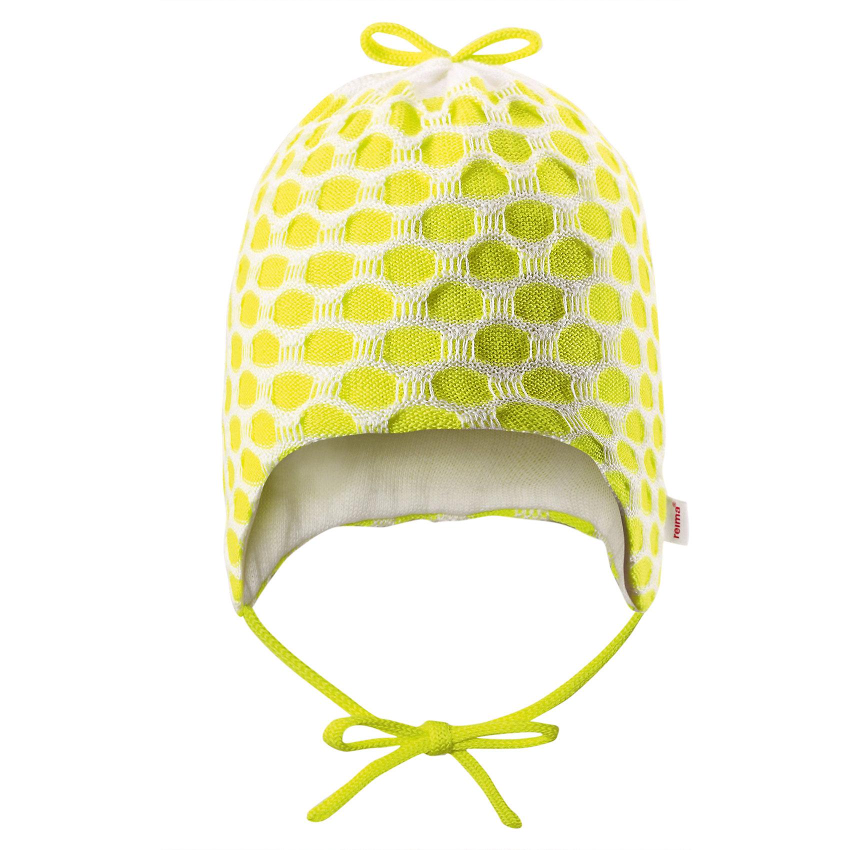 Шапка для девочки ReimaСтильная модель для чудесных весенних дней. Эта уютная и мягкая шапочка из хлопка идеально подходит для новорожденных малышей. Она изготовлена из дышащего материала и подойдет как для дома, так и для улицы. Забавный вязаный узор создает классный образ.<br><br>Дополнительная информация:<br><br>Шапка «Бини» для самых маленьких<br>Смесь экологичного волокна Tencel® и органического хлопка<br>Сплошная подкладка: хлопчатобумажная ткань<br>Милый вязаный узор<br>Состав:<br>50% Лиоцелл 50% ХЛ<br>Уход:<br>Стирать с бельем одинакового цвета, вывернув наизнанку. Стирать моющим средством, не содержащим отбеливающие вещества. Придать первоначальную форму вo влажном виде.<br><br>Ширина мм: 89<br>Глубина мм: 117<br>Высота мм: 44<br>Вес г: 155<br>Цвет: желтый<br>Возраст от месяцев: 1<br>Возраст до месяцев: 3<br>Пол: Женский<br>Возраст: Детский<br>Размер: 36-38,44-46,40-42<br>SKU: 4498313