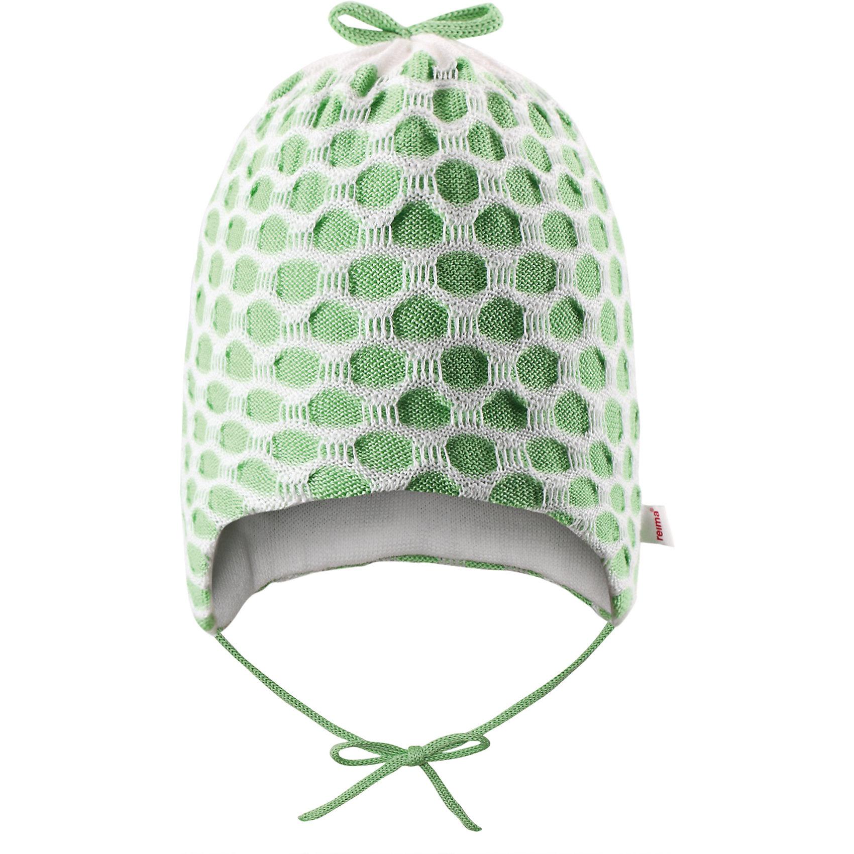 Шапка ReimaСтильная модель для чудесных весенних дней. Эта уютная и мягкая шапочка из хлопка идеально подходит для новорожденных малышей. Она изготовлена из дышащего материала и подойдет как для дома, так и для улицы. Забавный вязаный узор создает классный образ.<br><br>Дополнительная информация:<br><br>Шапка «Бини» для самых маленьких<br>Смесь экологичного волокна Tencel® и органического хлопка<br>Сплошная подкладка: хлопчатобумажная ткань<br>Милый вязаный узор<br>Состав:<br>50% Лиоцелл 50% ХЛ<br>Уход:<br>Стирать с бельем одинакового цвета, вывернув наизнанку. Стирать моющим средством, не содержащим отбеливающие вещества. Придать первоначальную форму вo влажном виде.<br><br>Ширина мм: 89<br>Глубина мм: 117<br>Высота мм: 44<br>Вес г: 155<br>Цвет: зеленый<br>Возраст от месяцев: 1<br>Возраст до месяцев: 3<br>Пол: Женский<br>Возраст: Детский<br>Размер: 36-38,40-42,44-46<br>SKU: 4498325