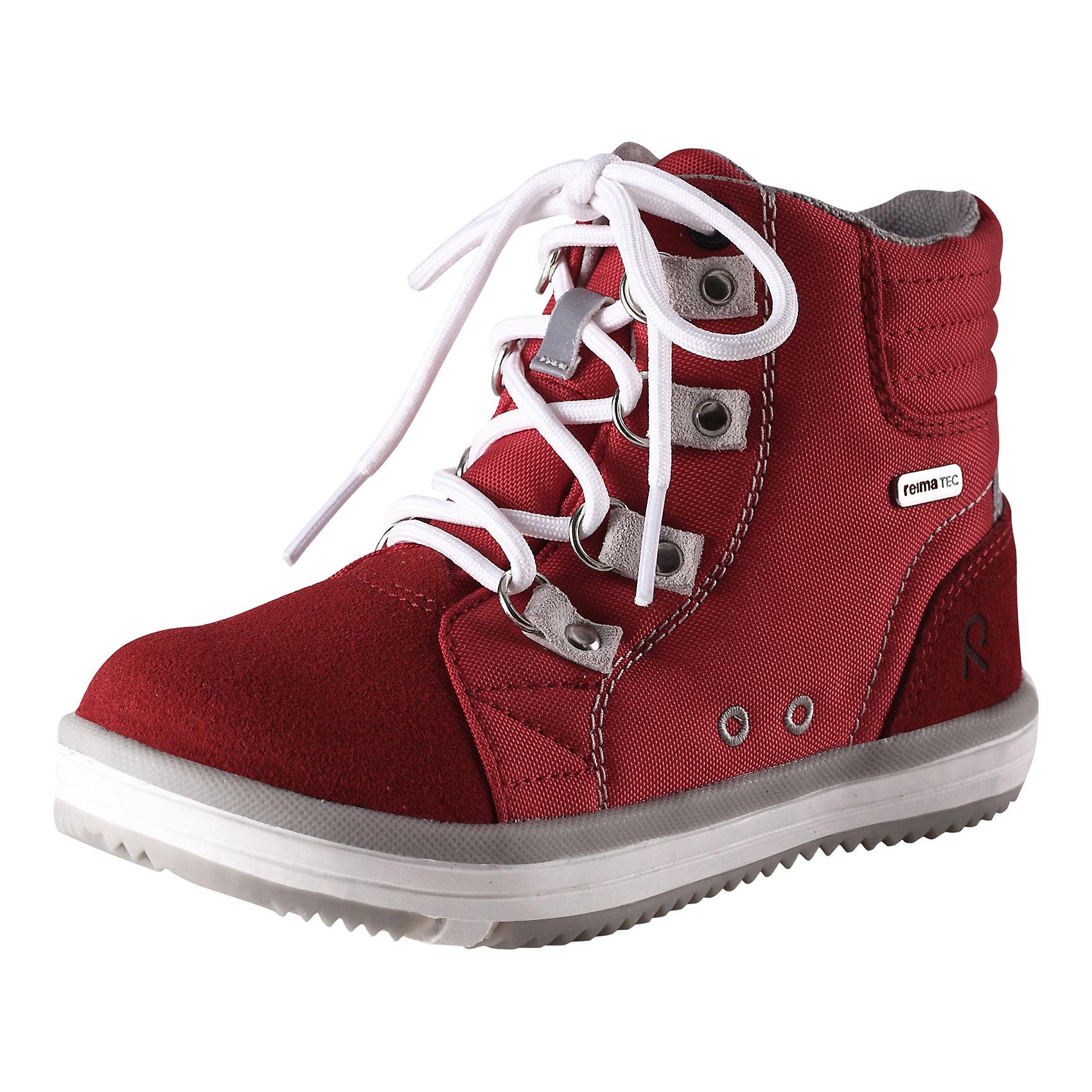 Ботинки Wetter Reimatec ReimaКлассика - водонепроницаемые кроссовки Reimatec®! Верхняя часть изготовлена из гибкого полиамида, носовая и задняя части усилены замшем из коровьей кожи. Яркие сочные расцветки прекрасно комбинируются с различной верхней одеждой и аксессуарами Reima®. К обуви идут в наборе две пары шнурков – в добавок к обычным обувным шнуркам вы можете попробовать новые, эластичные шнурки, быстрые и удобные в использовании! Обувь снабжена уникальными съемными стельками Reima с принтом Happy Fit, которые помогают правильно определить размер.<br><br>Дополнительная информация:<br><br>Кроссовки для детей<br>Водонепроницаемая демисезонная обувь<br>Верх из натуральной замши (из телячьей кожи) и текстиля<br>Подошва Reima® из термопластичного каучука с рисунком Happy Fit<br>Водонепроницаемые, герметичные вставки с подкладкой из mesh-сетки<br>Съемные стельки с рисунком Happy Fit, которые помогают определить размер<br>Светоотражающие детали<br>Состав:<br>Подошва: термопластичная резина, Верх: 80% ПЭ 20% Кожа<br>Уход:<br>Храните обувь в вертикальном положении при комнатной температуре. Сушить обувь всегда следует при комнатной температуре: вынув съемные стельки. Стельки следует время от времени заменять на новые. Налипшую грязь можно счищать щеткой или влажной тряпкой. Перед использованием обувь рекомендуется обрабатывать специальными защитными средствами.<br><br>Ширина мм: 262<br>Глубина мм: 176<br>Высота мм: 97<br>Вес г: 427<br>Цвет: красный<br>Возраст от месяцев: 60<br>Возраст до месяцев: 72<br>Пол: Унисекс<br>Возраст: Детский<br>Размер: 29,38,36,35,34,37,32,31,28,27,26,30,25,24,33<br>SKU: 4498479