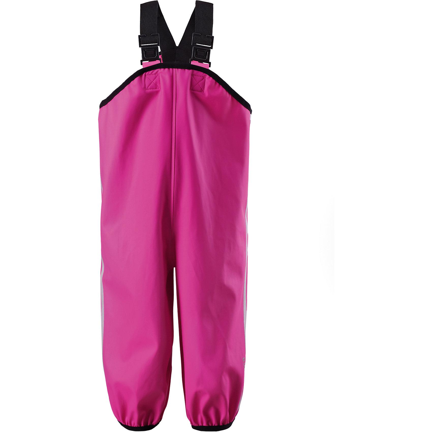 Непромокаемые брюки для девочки ReimaДети и лужи – отличное сочетание! Если только первые хорошо защищены. Эти классические брюки для дождливой погоды – безопасны в любую погоду. Материал - мягкий, но водонепроницаемый и грязеотталкивающий. Он также износостойкий и не «деревенеет» на морозе, поэтому брюки можно носить круглый год. Так как швы запаяны, они – абсолютно водонепроницаемы. Удобные эластичные подтяжки удерживают брюки во время активных игр, в то время как штрипки зафиксируют брючины внутри голенищ резиновых ботинок. Без подкладки. Отличный вариант для дождливой погоды.<br><br>Дополнительная информация:<br><br>Брюки для дождливой погоды для детей и малышей<br>Запаянные швы, не пропускающие влагу<br>Эластичный материал<br>Без ПХВ<br>Регулируемый обхват талии<br>Эластичная резинка на штанинах<br>Съемные эластичные штрипки<br>Регулируемые эластичные подтяжки<br>Безопасные светоотражающие детали<br>Состав:<br>100% ПЭ, ПУ-покрытие<br>Уход:<br>Стирать по отдельности, вывернув наизнанку. Стирать моющим средством, не содержащим отбеливающие вещества. Полоскать без специального средства. Во избежание изменения цвета изделие необходимо вынуть из стиральной машинки незамедлительно после окончания программы стирки. Сушить при низкой температуре.<br><br>Ширина мм: 215<br>Глубина мм: 88<br>Высота мм: 191<br>Вес г: 336<br>Цвет: розовый<br>Возраст от месяцев: 72<br>Возраст до месяцев: 84<br>Пол: Женский<br>Возраст: Детский<br>Размер: 122,86,92,104,110,128,116,98,74,80<br>SKU: 4498543