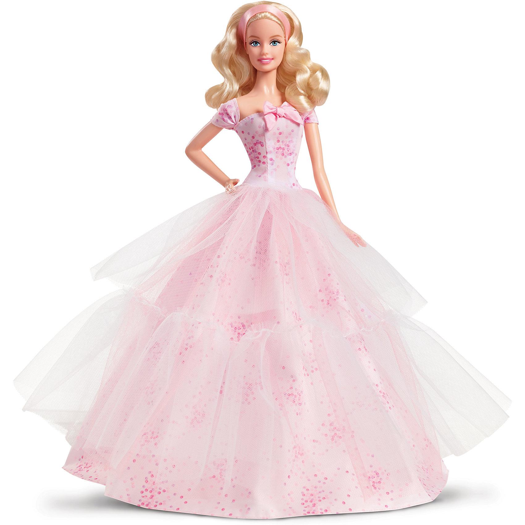 Коллекционная кукла Пожелания ко Дню рождения, BarbieЭта прекрасная кукла станет замечательным подарком! Красавица-Барби одета в невероятное розовое платье с воздушной пышной юбкой и приталенным лифом. Наряд дополняет изысканный бант на поясе. Светлые волосы куклы мягкие и послушные, они завиты и уложены в простую, но стильную прическу. В комплект входит подставка, с помощью нее кукла может стоять. Эта красивая Барби обязательно займет свое достойное и почетное место в коллекции! <br><br>Дополнительная информация:<br><br>- Материал: пластик.<br>- Высота: 29 см.<br>- Комплектация: кукла в одежде и обуви, подставка.<br>- Голова, руки, ноги куклы подвижные. <br><br>Коллекционную куклу Пожелания ко Дню рождения, Barbie (Барби), можно купить в нашем магазине.<br><br>Ширина мм: 75<br>Глубина мм: 230<br>Высота мм: 330<br>Вес г: 609<br>Возраст от месяцев: 36<br>Возраст до месяцев: 72<br>Пол: Женский<br>Возраст: Детский<br>SKU: 4500790