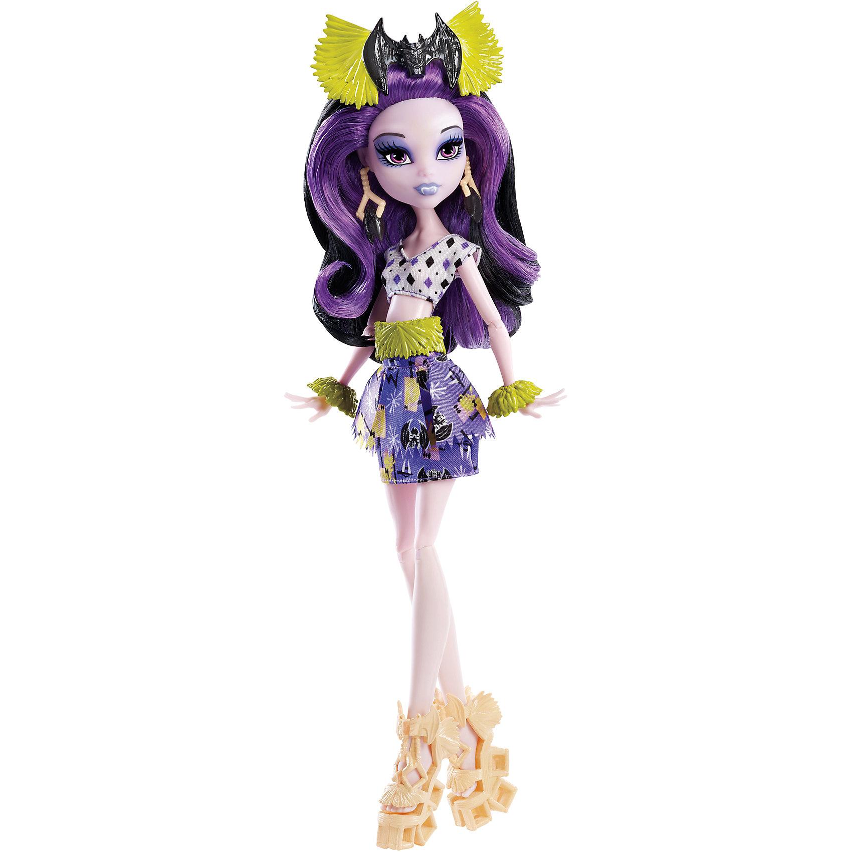 Кукла Монстрические каникулы, Monster HighОтправляйся на каникулы с Элиссабэт из Школы монстров, которая принарядилась для хищного туризма и диких пляжей! Кукла одета в тропическом стиле. Подвижные плечи, локти и колени позволят ей разыгрывать напряженные сюжеты. Элиссабэт - дочь вампира. Она одета  в своем любимом загробно-лиловом цвете, с узором из летучих мышей и с завораживающими аксессуарами: драгоценностями, туфлями, поясом.  Образ дополняют миниатюрные туфельки и украшение для волос. Длинные черные локоны с контрастной прядью очень приятно расчесывать, из них получится множество оригинальных причесок. <br><br>Дополнительная информация:<br><br>- Материал: пластик.<br>- Высота: 30 см.<br>- Голова, руки, ноги куклы подвижные. <br>- Комплектация: кукла в одежде и обуви, аксессуары.<br><br>Куклу Монстрические каникулы, Monster High (Монстр Хай), можно купить в нашем магазине.<br><br>Ширина мм: 65<br>Глубина мм: 150<br>Высота мм: 325<br>Вес г: 258<br>Возраст от месяцев: 72<br>Возраст до месяцев: 120<br>Пол: Женский<br>Возраст: Детский<br>SKU: 4500809
