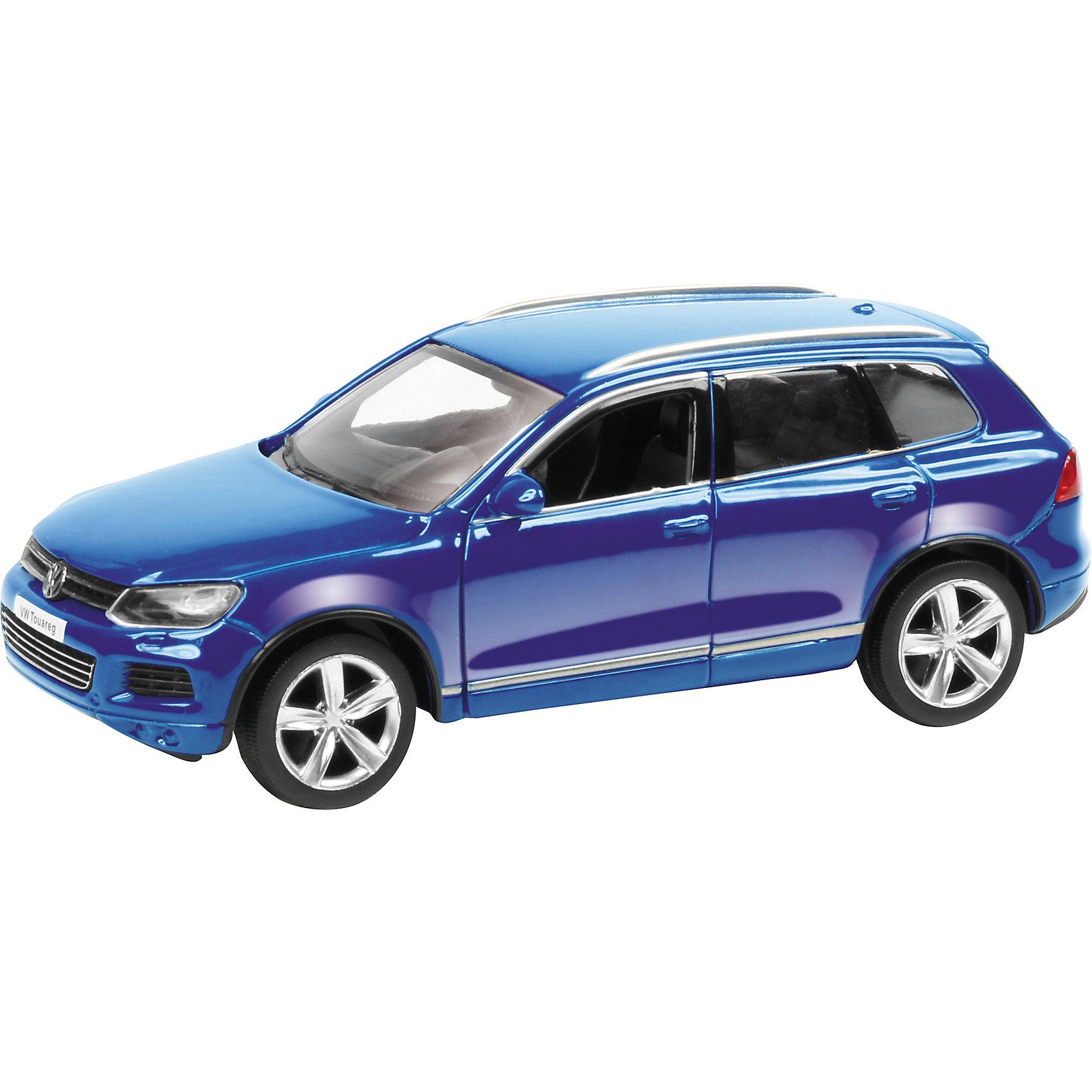 Машина VOLKSWAGEN TOUAREG 3Машинки<br>Машинка Volkswagen Touareg 3, Autotime (Автотайм).<br><br>Характеристики:<br><br>• Масштаб 1:60<br>• Длина машинки: 7,6 см.<br>• Материал: металл, пластик<br>• Цвет: синий<br>• Упаковка: картонная коробка блистерного типа<br>• Размер упаковки: 9x4x4 см.<br><br>Машинка Volkswagen Touareg 3 от Autotime (Автотайм) является уменьшенной копией кроссовера немецкой компании Volkswagen, который производится с 2002 года. Модель имеет высокую степень детализации. Корпус машинки изготовлен из металла, а все дополнительные элементы из пластика. Автомобиль качественно окрашен. Салон автомобиля тщательно проработан. Резиновые колеса свободно вращаются. Машинка Volkswagen Touareg станет хорошим подарком и ребенку, и коллекционеру моделей автомобилей.<br><br>Машинку Volkswagen Touareg 3, Autotime (Автотайм) можно купить в нашем интернет-магазине.<br><br>Ширина мм: 90<br>Глубина мм: 42<br>Высота мм: 40<br>Вес г: 58<br>Возраст от месяцев: 36<br>Возраст до месяцев: 84<br>Пол: Мужской<br>Возраст: Детский<br>SKU: 4515360