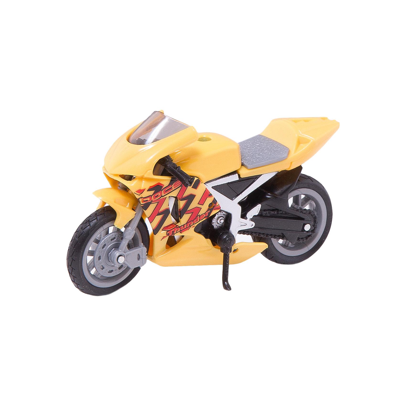 Мотоцикл DAYTONA GRAND PRIX, 1:18Машинки<br>Любой мальчишка придет в восторг от такого яркого и прекрасно детализированного мотоцикла! Модель выполнена в масштабе 1:18, имеет вращающиеся колеса с резиновыми шинами. Изготовлена из металла, реалистично раскрашена. <br><br>Дополнительная информация:<br><br>- Материал: пластик, металл.<br>- Масштаб: 1:18.<br>- Колеса подвижные.<br><br>Машину DAYTONA GRAND PRIX, 1:18, можно купить в нашем магазине.<br><br>Ширина мм: 140<br>Глубина мм: 45<br>Высота мм: 83<br>Вес г: 82<br>Возраст от месяцев: 36<br>Возраст до месяцев: 84<br>Пол: Мужской<br>Возраст: Детский<br>SKU: 4515369