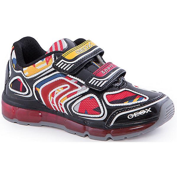 Кроссовки со светодиодами для мальчика GEOXКроссовки<br>Кроссовки для мальчика от популярной марки GEOX (Геокс).<br><br>Яркие стильные кроссовки - отличная обувь для нового весеннего сезона. Модель очень стильно и оригинально смотрится.<br>Производитель обуви заботится не только о внешнем виде, но и стабильно высоком качестве продукции. GEOX (Геокс) разработал специальную дышащую подошву, которая не пропускает влагу внутрь, а также высокотехнологичную стельку.<br><br>Отличительные особенности модели:<br><br>- цвет: черный;<br>- декорированы яркими элементами;<br>- гибкая водоотталкивающая подошва с дышащей мембраной;<br>- мягкий и легкий верх;<br>- защита пальцев и пятки;<br>- стильный дизайн;<br>- удобная застежка-липучка;<br>- комфортное облегание;<br>- верх обуви и подкладка сделаны без использования хрома.<br><br>Дополнительная информация:<br><br>- Температурный режим: от +10° С до 25° С.<br><br>- Состав:<br><br>материал верха: текстиль, синтетический материал<br>материал подкладки: текстиль<br>подошва: 100% резина<br><br>Кроссовки для мальчика GEOX (Геокс) (Геокс) можно купить в нашем магазине.<br>Ширина мм: 250; Глубина мм: 150; Высота мм: 150; Вес г: 250; Цвет: черный; Возраст от месяцев: 24; Возраст до месяцев: 36; Пол: Мужской; Возраст: Детский; Размер: 26,32,36,27,28,31,33,34,35,37,30,29; SKU: 4518765;