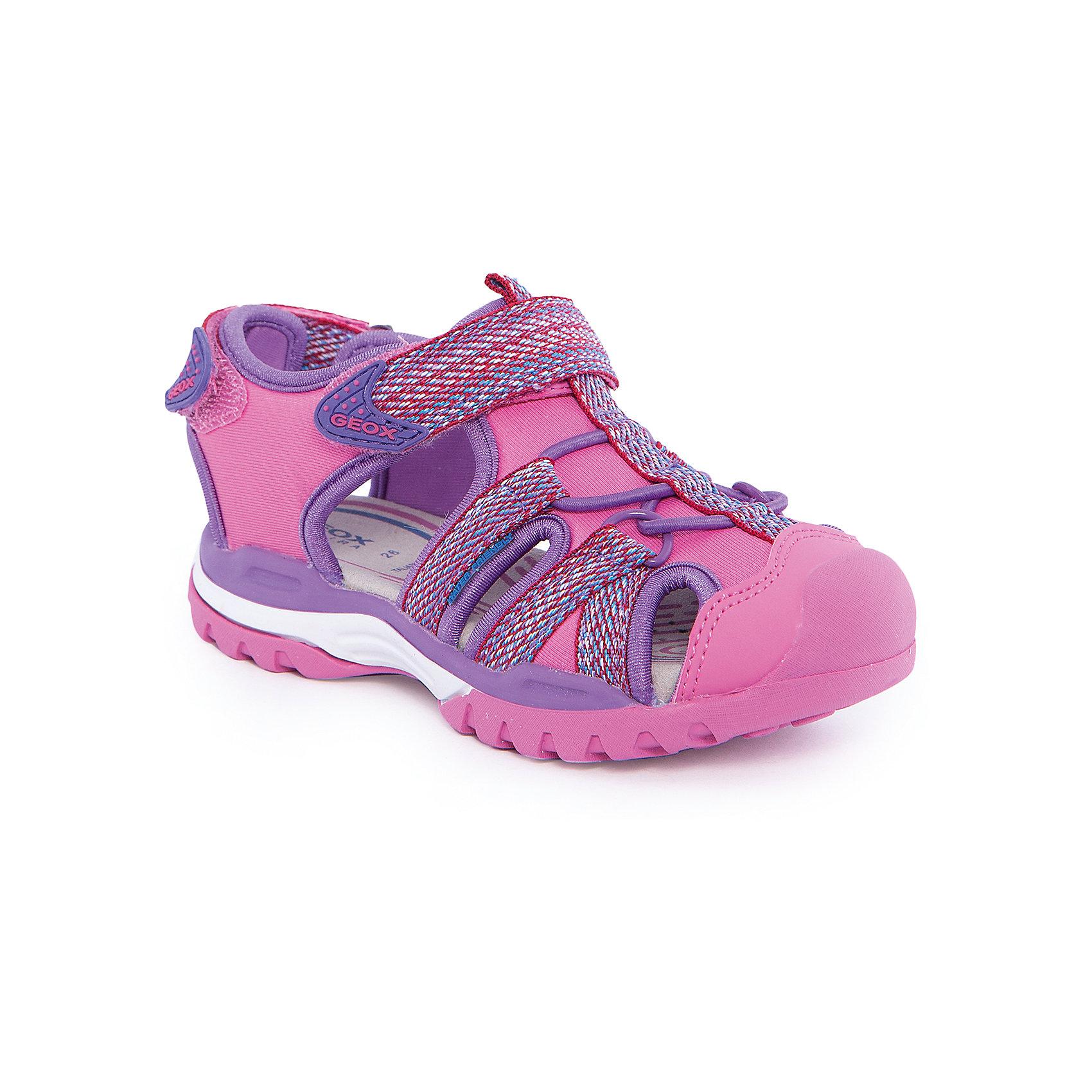 Босоножки для девочки GEOXБосоножки для девочки от популярной марки GEOX (Геокс).<br><br>Модные легкие босоножки - отличная обувь для нового летнего сезона. Эта модель создана специально для девочек, она очень стильно и оригинально смотрится.<br>Производитель обуви заботится не только о внешнем виде, но и стабильно высоком качестве продукции. GEOX (Геокс) разработал специальную высокотехнологичную стельку. Вся обувь делается только из качественных и надежных материалов.<br><br>Отличительные особенности модели:<br><br>- цвет: розовый;<br>- декорирована яркой тесьмой;<br>- гибкая прочная подошва;<br>- мягкий и легкий верх;<br>- защита пальцев;<br>- стильный дизайн;<br>- анатомическая стелька;<br>- удобные застежки - липучки;<br>- комфортное облегание;<br>- декоративная шнуровка.<br><br>Дополнительная информация:<br><br>- Сезон: весна/лето.<br><br>- Состав:<br><br>материал верха: текстиль;<br>подошва: 100% резина.<br><br>Босоножки для девочки GEOX (Геокс) можно купить в нашем магазине.<br><br>Ширина мм: 219<br>Глубина мм: 154<br>Высота мм: 121<br>Вес г: 343<br>Цвет: розовый<br>Возраст от месяцев: 36<br>Возраст до месяцев: 48<br>Пол: Женский<br>Возраст: Детский<br>Размер: 27,32,26,30,31,34,36,35,29,33,28<br>SKU: 4519053