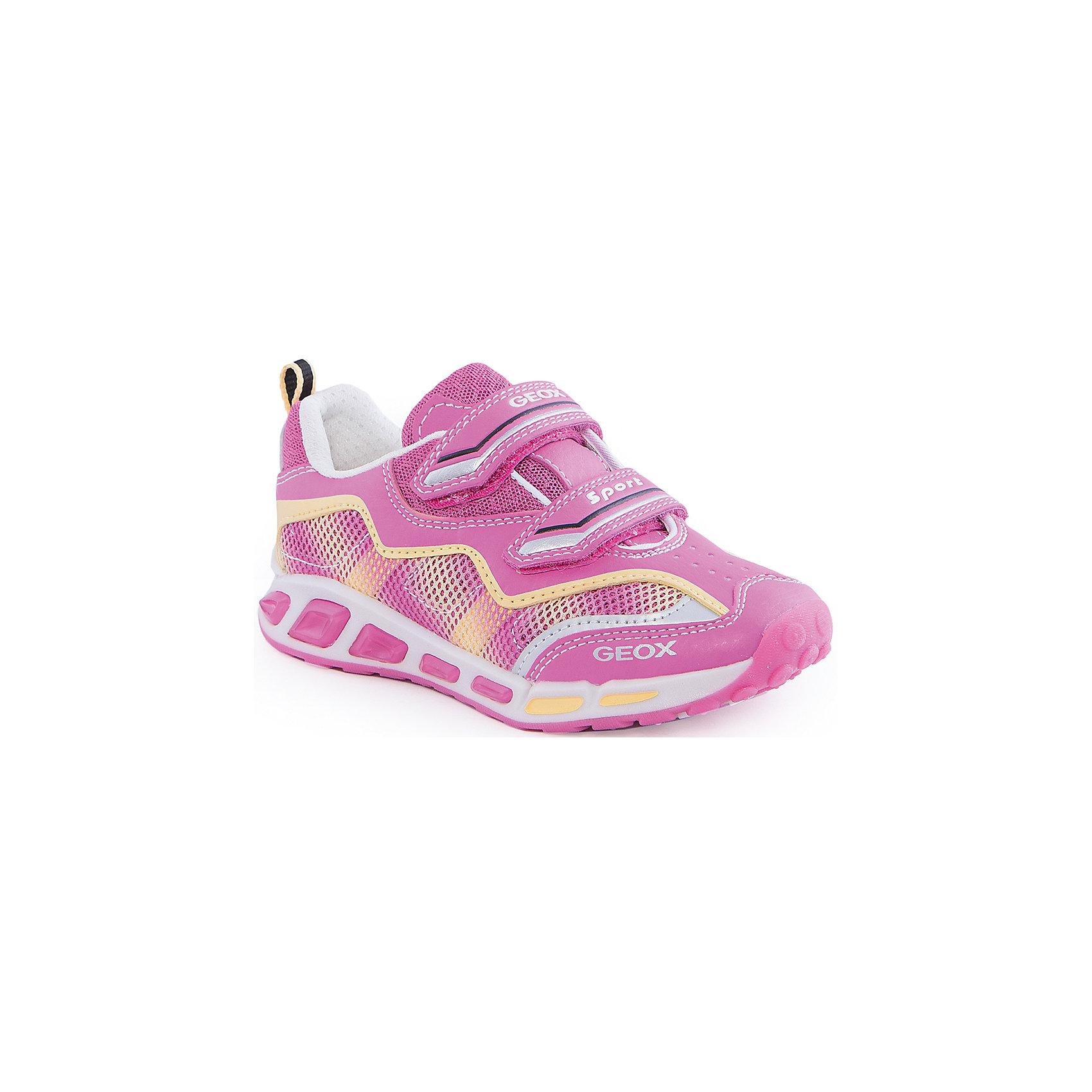 Кроссовки со светодиодами для девочки GEOXКроссовки для девочки от популярной марки GEOX (Геокс).<br><br>Такие розовые кроссовки - отличная обувь для нового весеннего сезона. Модель очень стильно и оригинально смотрится.<br>Производитель обуви заботится не только о внешнем виде, но и стабильно высоком качестве продукции. GEOX (Геокс) разработал специальную дышащую подошву, которая не пропускает влагу внутрь, а также высокотехнологичную стельку.<br><br>Отличительные особенности модели:<br><br>- цвет: розовый;<br>- декорированы желтыми и белыми элементами;<br>- гибкая водоотталкивающая подошва с дышащей мембраной;<br>- мягкий и легкий верх;<br>- защита пальцев и пятки;<br>- стильный дизайн;<br>- удобная застежка-липучка;<br>- комфортное облегание;<br>- верх обуви и подкладка сделаны без использования хрома.<br><br>Дополнительная информация:<br><br>- Температурный режим: от +10° С до 25° С.<br><br>- Состав:<br><br>материал верха: текстиль, синтетический материал<br>материал подкладки: текстиль<br>подошва: 100% резина<br><br>Кроссовки для девочки GEOX (Геокс) (Геокс) можно купить в нашем магазине.<br><br>Ширина мм: 250<br>Глубина мм: 150<br>Высота мм: 150<br>Вес г: 250<br>Цвет: розовый<br>Возраст от месяцев: 72<br>Возраст до месяцев: 84<br>Пол: Женский<br>Возраст: Детский<br>Размер: 30,36,37,34,31,28,26,27,29,32,33,35<br>SKU: 4519157
