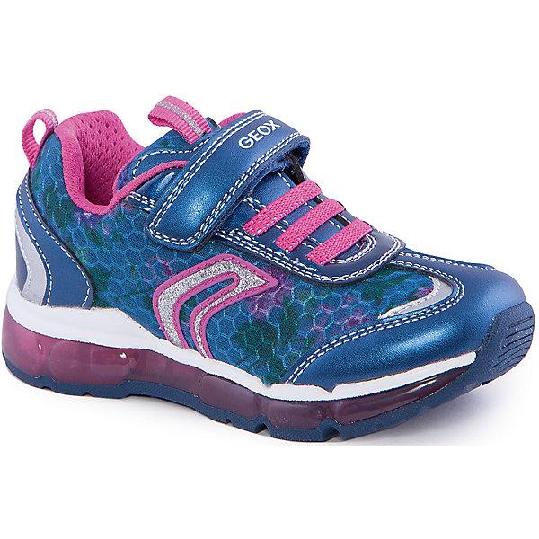 Кроссовки со светодиодами для девочки GEOXКроссовки<br>Кроссовки для девочки от популярной марки GEOX (Геокс).<br><br>Модные легкие кроссовки - отличная обувь для нового весеннего сезона. Модель очень стильно и оригинально смотрится.<br>Производитель обуви заботится не только о внешнем виде, но и стабильно высоком качестве продукции. GEOX (Геокс) разработал специальную дышащую подошву, которая не пропускает влагу внутрь, а также высокотехнологичную стельку.<br><br>Отличительные особенности модели:<br><br>- цвет: синий;<br>- декорированы белыми и розовыми элементами;<br>- гибкая водоотталкивающая подошва с дышащей мембраной;<br>- мягкий и легкий верх;<br>- защита пальцев и пятки;<br>- стильный дизайн;<br>- удобная застежка-липучка и шнуровка;<br>- комфортное облегание;<br>- верх обуви и подкладка сделаны без использования хрома.<br><br>Дополнительная информация:<br><br>- Температурный режим: от +10° С до 25° С.<br><br>- Состав:<br><br>материал верха: текстиль, синтетический материал<br>материал подкладки: текстиль<br>подошва: 100% резина<br><br>Кроссовки для девочки GEOX (Геокс) (Геокс) можно купить в нашем магазине.<br><br>Ширина мм: 250<br>Глубина мм: 150<br>Высота мм: 150<br>Вес г: 250<br>Цвет: синий<br>Возраст от месяцев: 36<br>Возраст до месяцев: 48<br>Пол: Женский<br>Возраст: Детский<br>Размер: 27,33,34,29,26,28,30,31,32<br>SKU: 4519170
