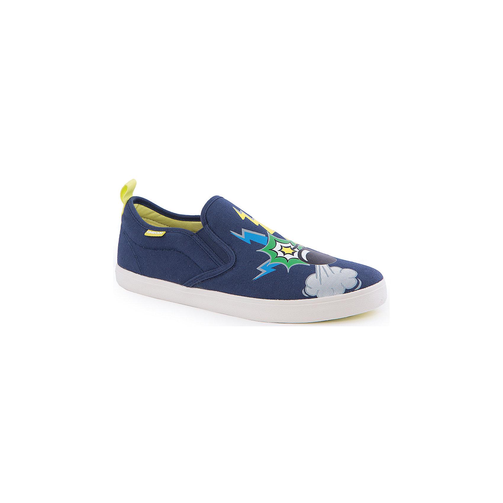 Слипоны для мальчиков GeoxСлипоны<br>Слипоны для мальчика от популярной марки GEOX (Геокс).<br><br>Синие легкие Слипоны с принтом - отличная обувь для нового весеннего сезона. Модель очень стильно и оригинально смотрится.<br>Производитель обуви заботится не только о внешнем виде, но и стабильно высоком качестве продукции. GEOX (Геокс) разработал специальную дышащую подошву, которая не пропускает влагу внутрь, а также высокотехнологичную стельку.<br><br>Отличительные особенности модели:<br><br>- цвет: темно-синий;<br>- декорированы принтом;<br>- гибкая водоотталкивающая подошва с дышащей мембраной;<br>- мягкий и легкий верх;<br>- стильный дизайн;<br>- без застежек;<br>- комфортное облегание;<br>- верх обуви и подкладка сделаны без использования хрома.<br><br>Дополнительная информация:<br><br>- Температурный режим: от +10° С до 25° С.<br><br>- Состав:<br><br>материал верха: текстиль<br>материал подкладки: текстиль<br>подошва: 100% резина<br><br>Слипоны для мальчика GEOX (Геокс) (Геокс) можно купить в нашем магазине.<br><br>Ширина мм: 250<br>Глубина мм: 150<br>Высота мм: 150<br>Вес г: 250<br>Цвет: синий<br>Возраст от месяцев: 24<br>Возраст до месяцев: 36<br>Пол: Мужской<br>Возраст: Детский<br>Размер: 26,28,39,38,37,27,36,35,34,33,32,31,30,29<br>SKU: 4519554