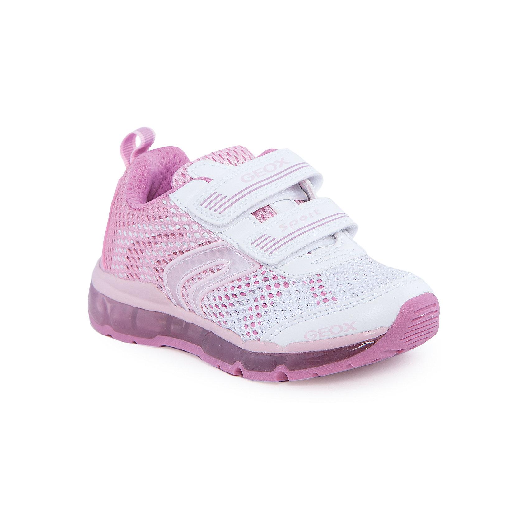 Кроссовки для девочки GEOXКроссовки для девочки от популярной марки GEOX (Геокс).<br><br>Яркие дышащие кроссовки разнообразят гардероб ребенка в новом сезоне! Эта модель создана специально для девочек, она очень стильно и оригинально смотрится.<br>Производитель обуви заботится не только о внешнем виде, но и стабильно высоком качестве продукции. GEOX (Геокс) разработал специальную высокотехнологичную стельку. Вся обувь делается только из качественных и надежных материалов.<br><br>Отличительные особенности модели:<br><br>- цвет: белый, розовый;<br>- декорирована сеткой;<br>- прочная устойчивая подошва;<br>- мягкий и легкий верх;<br>- защита пальцев и пятки;<br>- стильный дизайн;<br>- анатомическая стелька;<br>- удобные застежки - липучки;<br>- комфортное облегание;<br>- подкладка - натуральная кожа;<br>- дышащие материалы (технология Geox Respira).<br><br>Дополнительная информация:<br><br>- Сезон: весна/лето.<br><br>- Состав:<br><br>материал верха: искусственная кожа, текстиль;<br>подкладка: натуральная кожа, текстиль;<br>стелька: натуральная кожа;<br>подошва: полимер.<br><br>Кроссовки для девочки GEOX (Геокс) можно купить в нашем магазине.<br><br>Ширина мм: 250<br>Глубина мм: 150<br>Высота мм: 150<br>Вес г: 250<br>Цвет: белый<br>Возраст от месяцев: 36<br>Возраст до месяцев: 48<br>Пол: Женский<br>Возраст: Детский<br>Размер: 27,26,31,34,28,29,33,32,30<br>SKU: 4519584