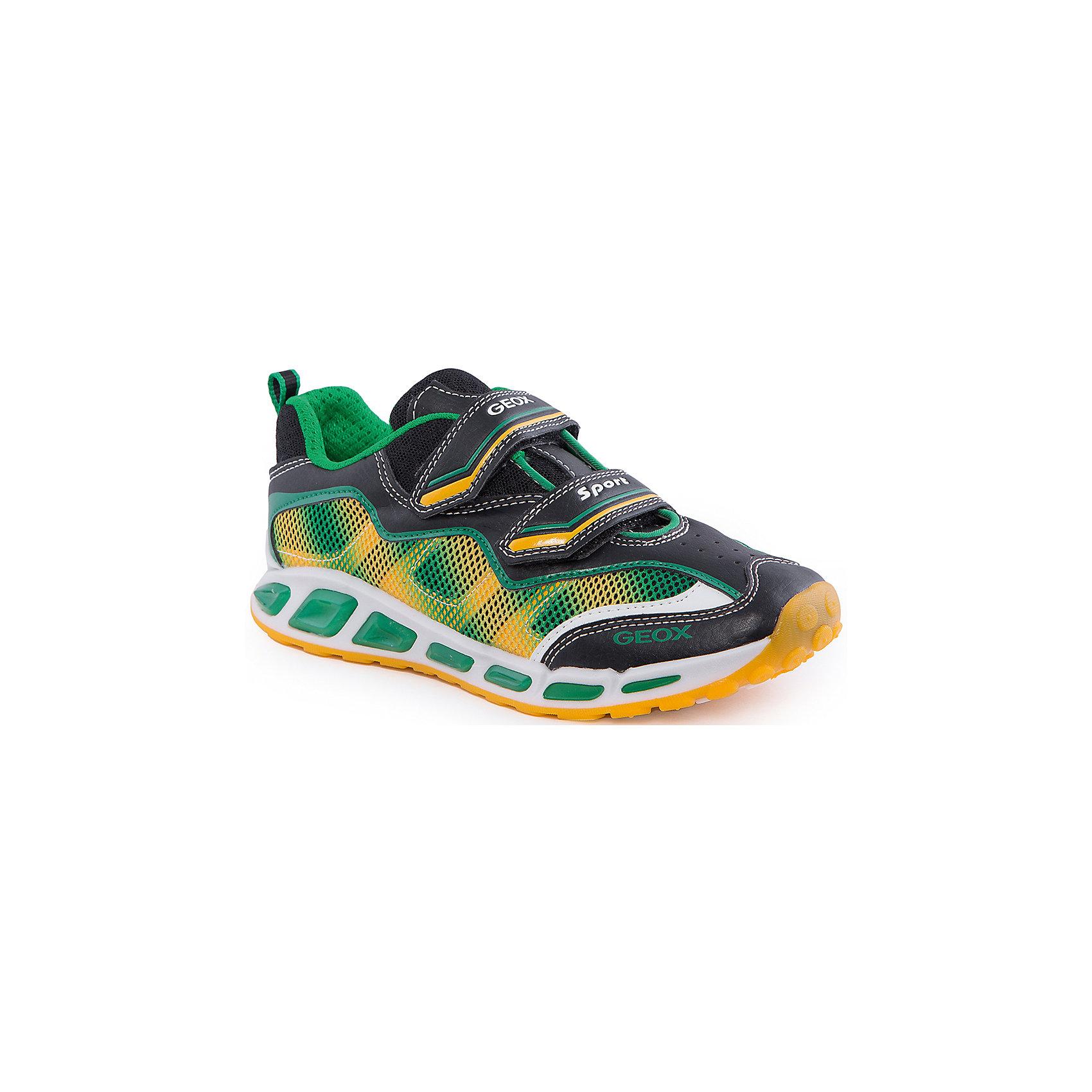Кроссовки со светодиодами для мальчика GEOXКроссовки для мальчика от популярной марки GEOX (Геокс).<br><br>Легкие оригинальные кроссовки - отличная обувь для нового весеннего сезона. Модель очень стильно и оригинально смотрится.<br>Производитель обуви заботится не только о внешнем виде, но и стабильно высоком качестве продукции. GEOX (Геокс) разработал специальную дышащую подошву, которая не пропускает влагу внутрь, а также высокотехнологичную стельку.<br><br>Отличительные особенности модели:<br><br>- цвет: черный;<br>- декорированы зелеными и желтыми элементами;<br>- гибкая водоотталкивающая подошва с дышащей мембраной;<br>- мягкий и легкий верх;<br>- защита пальцев и пятки;<br>- стильный дизайн;<br>- удобная застежка-липучка;<br>- комфортное облегание;<br>- верх обуви и подкладка сделаны без использования хрома.<br><br>Дополнительная информация:<br><br>- Температурный режим: от +10° С до 25° С.<br><br>- Состав:<br><br>материал верха: текстиль, синтетический материал<br>материал подкладки: текстиль<br>подошва: 100% резина<br><br>Кроссовки для мальчика GEOX (Геокс) (Геокс) можно купить в нашем магазине.<br><br>Ширина мм: 250<br>Глубина мм: 150<br>Высота мм: 150<br>Вес г: 250<br>Цвет: черный<br>Возраст от месяцев: 72<br>Возраст до месяцев: 84<br>Пол: Мужской<br>Возраст: Детский<br>Размер: 30,26,27,28,31,36,37,35,33,32,29,34<br>SKU: 4519768