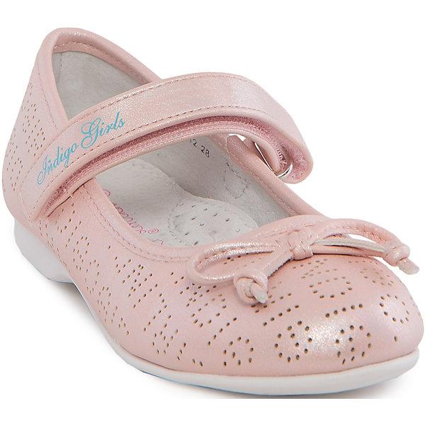 Туфли для девочки Indigo kidsТуфли<br>Туфли для девочки от известного бренда Indigo kids.<br><br>Модные блестящие туфли отлично подойдут к праздничному платью, а также помогут оживить даже повседневный наряд. Они легко надеваются, комфортно садятся по ноге. <br><br>Особенности модели:<br><br>- цвет: розовый;<br>- стильный дизайн;<br>- удобная колодка;<br>- подкладка из натуральной кожи;<br>- перфорация в передней части изделия, обеспечивающая вентиляцию;<br>- украшение - бант из кожи;<br>- устойчивая нескользящая подошва;<br>- застежка - липучка.<br><br>Дополнительная информация:<br><br>Состав:<br><br>верх – искусственная кожа;<br>подкладка - натуральная кожа;<br>подошва - ТЭП.<br><br>Туфли для девочки Indigo kids (Индиго Кидс) можно купить в нашем магазине.<br><br>Ширина мм: 227<br>Глубина мм: 145<br>Высота мм: 124<br>Вес г: 325<br>Цвет: розовый<br>Возраст от месяцев: 108<br>Возраст до месяцев: 120<br>Пол: Женский<br>Возраст: Детский<br>Размер: 33,32,28,29,30,31<br>SKU: 4519873
