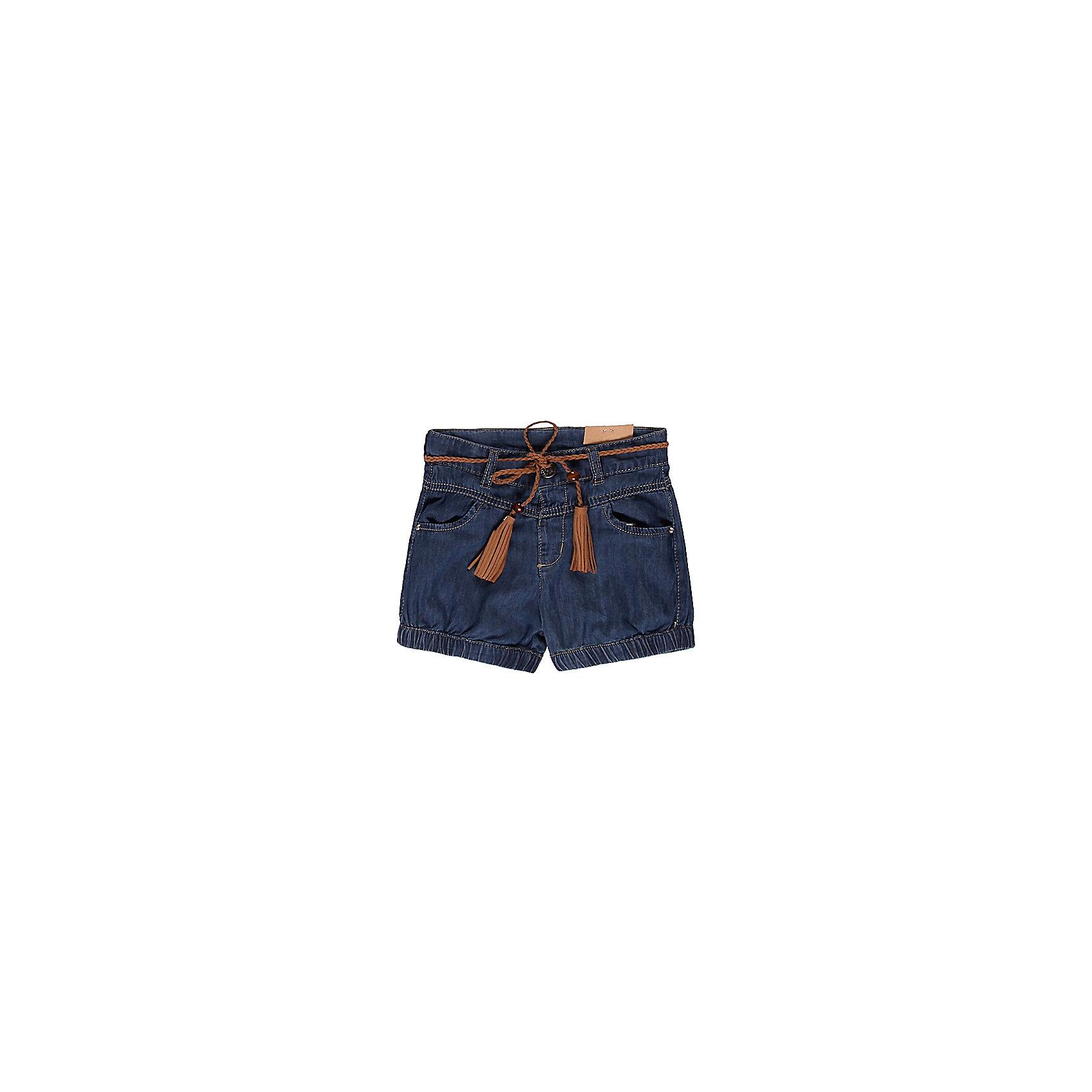 Шорты джинсовые для девочки Sweet BerryШорты и бриджи<br>Стильные темно-синие джинсовые шорты для девочки из 100% хлопка. На талии контрастный поясок с кисточками из замши.  Застежка выполнена в виде крючка. Имеются два врезных кармана.<br>Состав:<br>100% хлопок<br><br>Ширина мм: 191<br>Глубина мм: 10<br>Высота мм: 175<br>Вес г: 273<br>Цвет: синий<br>Возраст от месяцев: 24<br>Возраст до месяцев: 36<br>Пол: Женский<br>Возраст: Детский<br>Размер: 98,80,92,86<br>SKU: 4520430