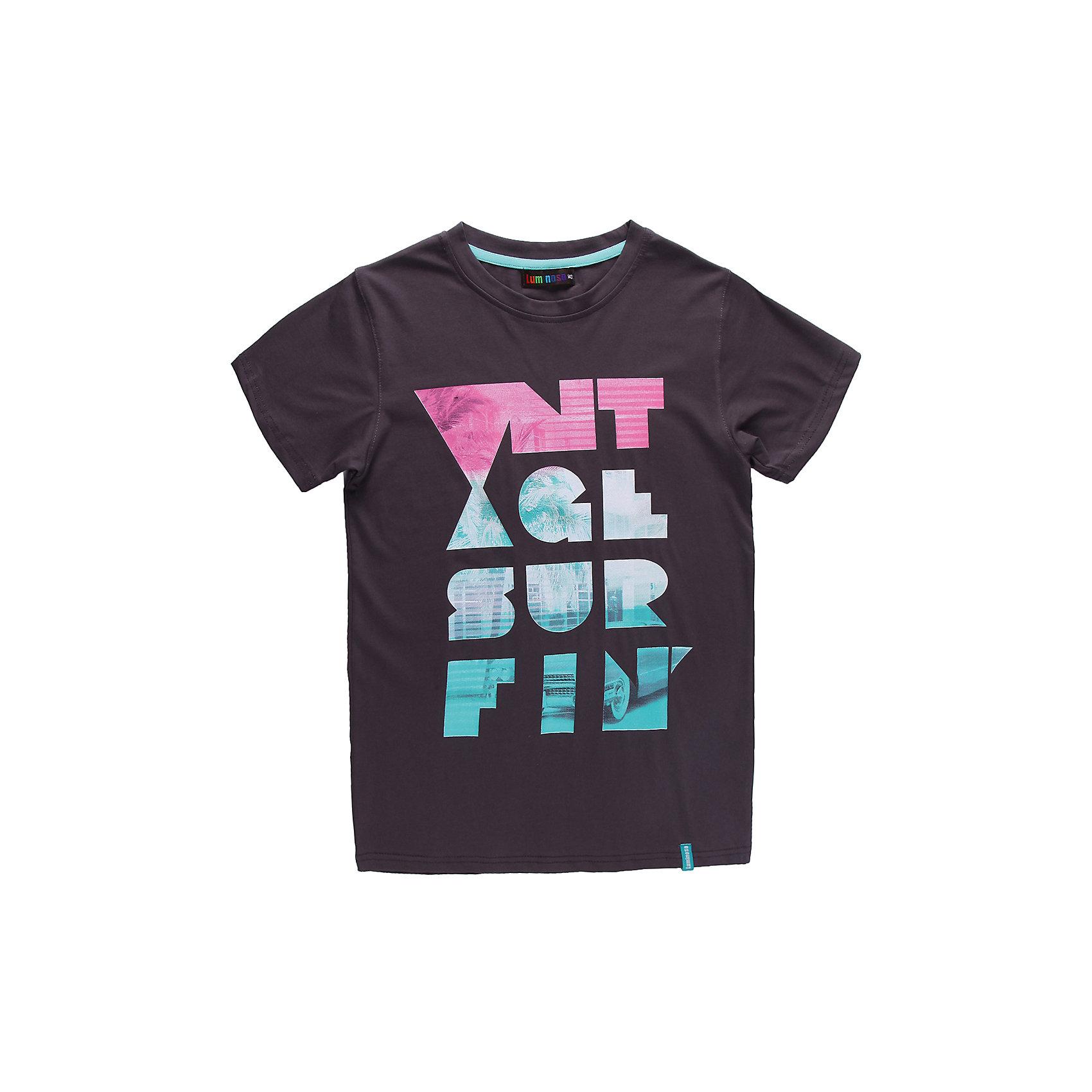 Футболка для мальчика LuminosoЯркая футболка для мальчика. Горловина из эластичной трикотажной резинки контрастного цвета. Футболка украшена ярким принтом.<br>Состав:<br>95% хлопок 5% эластан<br><br>Ширина мм: 199<br>Глубина мм: 10<br>Высота мм: 161<br>Вес г: 151<br>Цвет: серый<br>Возраст от месяцев: 120<br>Возраст до месяцев: 132<br>Пол: Мужской<br>Возраст: Детский<br>Размер: 146,158,152,164,134,140<br>SKU: 4523307