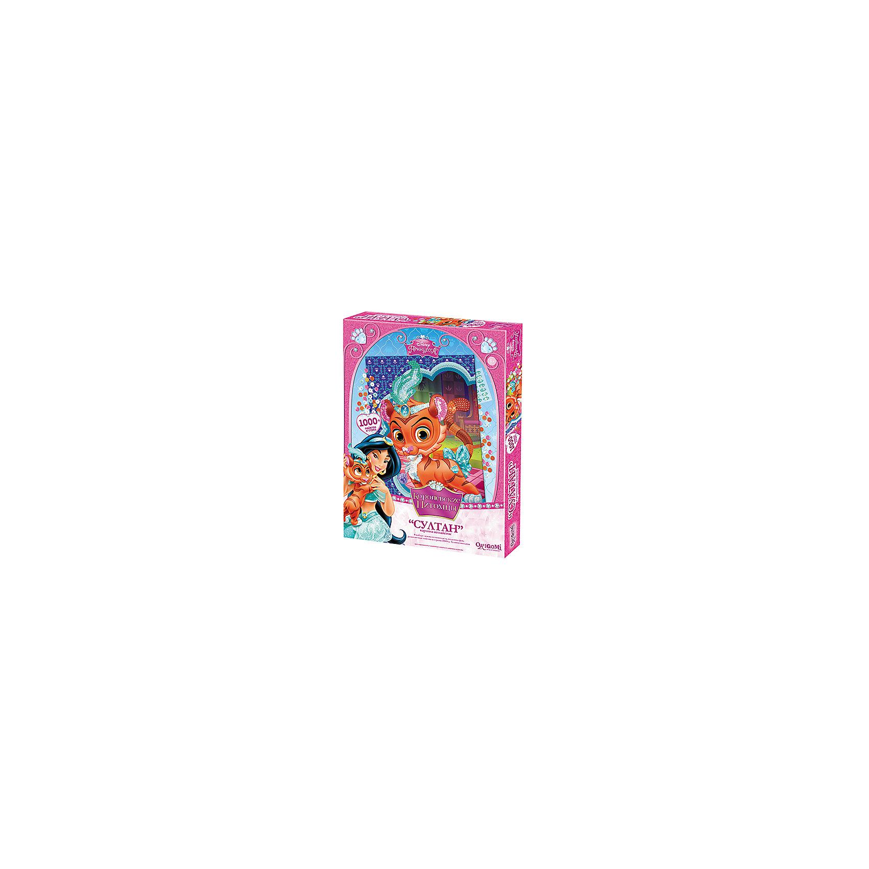 Картина из пайеток Султан, Принцессы ДиснейКартина из пайеток Султан, Принцессы Дисней - увлекательный набор для детского творчества, который поможет Вашему ребенку без ножниц и клея сделать красивую картинку. Техника выполнения проста и не представляет сложностей: в комплект уже входит готовая картинка-фон, нужно лишь аккуратно закрепить детали в виде страз и пайеток с помощью булавок-гвоздиков согласно инструкции. Итогом работы станет сверкающая картинка с изображением симпатичного тигренка Султана - питомца принцессы Жасмин из популярного диснеевского мультфильма Аладдин. Готовая картинка станет отличным украшением детской комнаты или подарком родным и друзьям. Набор развивает у ребенка цветовое восприятие, образно-логическое мышление и пространственное воображение, тренирует мелкую моторику.<br><br>Дополнительная информация:<br><br>- В комплекте: основа из пенопласта, подложка-фон, разноцветные пайетки и стразы (около 1000 шт.), булавки-гвоздики.<br>- Материал: картон. <br>- Размер картинки: 26,7 х 35,7 см.<br>- Размер упаковки: 28 x 18 x 4 см.<br>- Вес: 0,79 кг.<br><br>Картину из пайеток Султан, Принцессы Дисней, Чудо-творчество, можно купить в нашем интернет-магазине.<br><br>Ширина мм: 150<br>Глубина мм: 30<br>Высота мм: 200<br>Вес г: 790<br>Возраст от месяцев: 72<br>Возраст до месяцев: 120<br>Пол: Женский<br>Возраст: Детский<br>SKU: 4530676