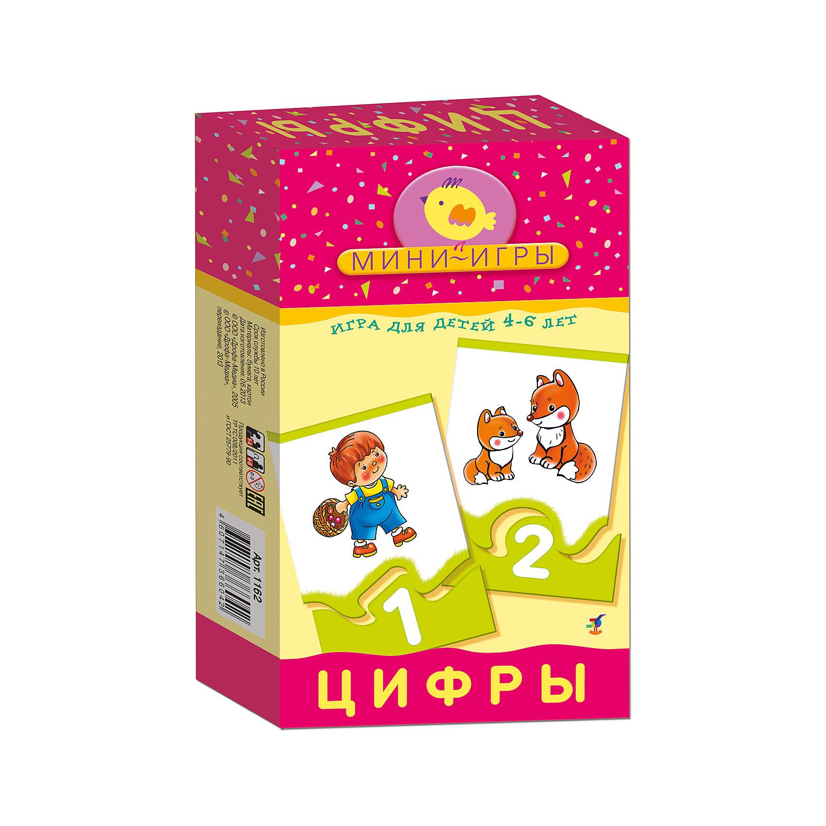 Мини-игра Цифры, Дрофа-МедиаМини-игра Цифры, Дрофа-Медиа - красочное игровое пособие, которое познакомит Вашего ребенка с цифрами и числами первого десятка, поможет закрепить навыки устного счета и научит подбирать элементы, подходящие по форме. В комплекте 48 карточек, которые скрепляются между собой по принципу пазла, на одной части - количественное изображение предметов (например, 1 мишка, 2 волка, 3 ежика), на другой - цифры, а также 6 карточек с математическими знаками. Подробная инструкция предлагает два варианта игры с этими карточками. В первой игре В поисках числа малышу надо подобрать к каждому изображению число, показывающее, сколько предметов изображено. В игре Учимся считать ребенку предлагается сравнивать числа, самостоятельно составлять простые примеры на сложение и вычитание и решать их. В игре могут участвовать 1-4 игрока. Для детей 4-6 лет. Игра способствует развитию мелкой моторики, внимания, памяти и мышления.<br><br>Дополнительная информация:<br><br>- Серия: Мини-игры.<br>- В комплекте: 48 карточек, инструкция.<br>- Материал: бумага. картон.<br>- Размер упаковки: 20 x 12 x 3,5 см.<br>- Вес: 144 гр.<br><br>Мини-игру Цифры, Дрофа-Медиа, можно купить в нашем интернет-магазине.<br><br>Ширина мм: 120<br>Глубина мм: 200<br>Высота мм: 35<br>Вес г: 170<br>Возраст от месяцев: 48<br>Возраст до месяцев: 96<br>Пол: Унисекс<br>Возраст: Детский<br>SKU: 4533296
