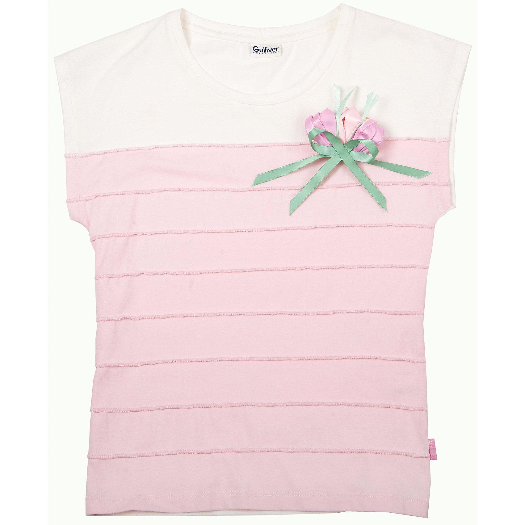 Блузка для девочки GulliverСветлая трикотажная блузка без рукавов для девочки - хит сезона Весна/Лето 2016! Она выглядит очень по-взрослому, при этом обладает особой нежностью, и наверняка понравится тонким романтичным натурам. Комбинация розового и белого делает образ чистым и светлым, хлопок с эластаном гарантирует красивую комфортную посадку изделия на фигуре. В оформлении модели горизонтальные защипы и отстегивающаяся цветочная композиция, придающая модели свежесть и индивидуальность. Словом, эта модель наглядно демонстрирует какой должна быть модная блузка летом 2016: необычной и интересной! Если вы решили купить оригинальную блузку, сделайте выбор в пользу этой модели и ваш ребенок будет в восторге!<br>Состав:<br>95% хлопок           5% эластан<br><br>Ширина мм: 186<br>Глубина мм: 87<br>Высота мм: 198<br>Вес г: 197<br>Цвет: розовый<br>Возраст от месяцев: 120<br>Возраст до месяцев: 132<br>Пол: Женский<br>Возраст: Детский<br>Размер: 146,140,128,134,152<br>SKU: 4534367