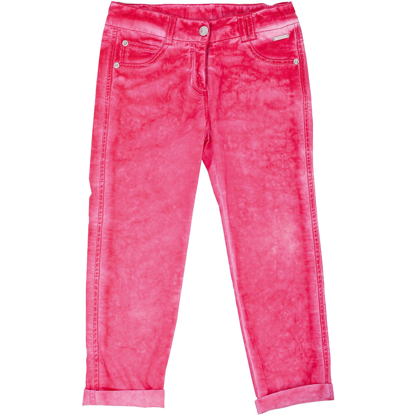 Брюки для девочки GulliverБрюки<br>Модные брюки – незаменимая часть гардероба девочки. Тонкие и легкие, выполненные из 100% хлопка, они сделают каждый день солнечным и комфортным! Если вы решили купить брюки, обратите внимание именно на эту модель! Актуальное неравномерное крашение, мягкость и удобство в носке позволят наслаждаться каждым летним днем. Брюки яркого насыщенного цвета, являясь отличным компаньоном для красивой многослойной комбинации с орнаментальными моделями коллекции, настроят на позитив и создадут отличное настроение.<br>Состав:<br>100% хлопок<br><br>Ширина мм: 215<br>Глубина мм: 88<br>Высота мм: 191<br>Вес г: 336<br>Цвет: розовый<br>Возраст от месяцев: 72<br>Возраст до месяцев: 84<br>Пол: Женский<br>Возраст: Детский<br>Размер: 122,110,116,98,104<br>SKU: 4534545