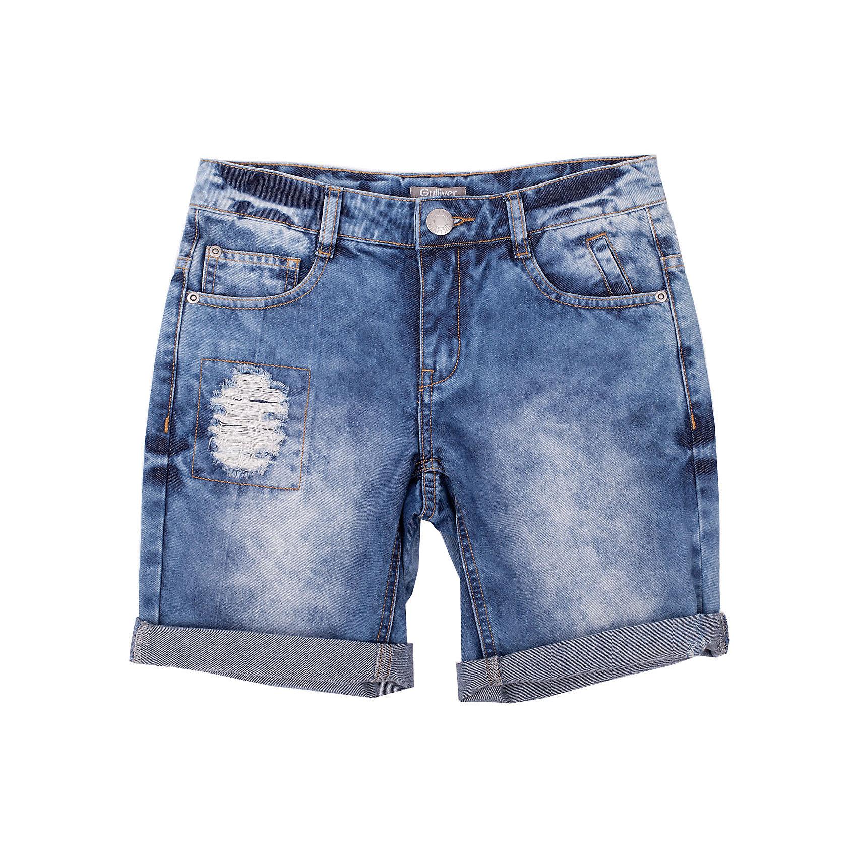Шорты джинсовые для мальчика GulliverДжинсовая одежда<br>Шорты - непременный атрибут стиля casual, а значит модные джинсовые шорты для мальчика - изделие из разряда must have! Но как угнаться за детской модой? Мы только привыкли к варке, повреждениям и потертостям на детских джинсовых изделиях, но дизайнеры уже придумали что-то новенькое! Голубые джинсовые шорты для мальчика с декоративными заплатками - хит сезона весна/лето 2016!  К тому же, это стильный, комфортный элемент гардероба, идеально подходящий к любой футболке, майке, джемперу.<br>Состав:<br>100% хлопок<br><br>Ширина мм: 191<br>Глубина мм: 10<br>Высота мм: 175<br>Вес г: 273<br>Цвет: голубой<br>Возраст от месяцев: 84<br>Возраст до месяцев: 96<br>Пол: Мужской<br>Возраст: Детский<br>Размер: 128,140,122,134<br>SKU: 4534978