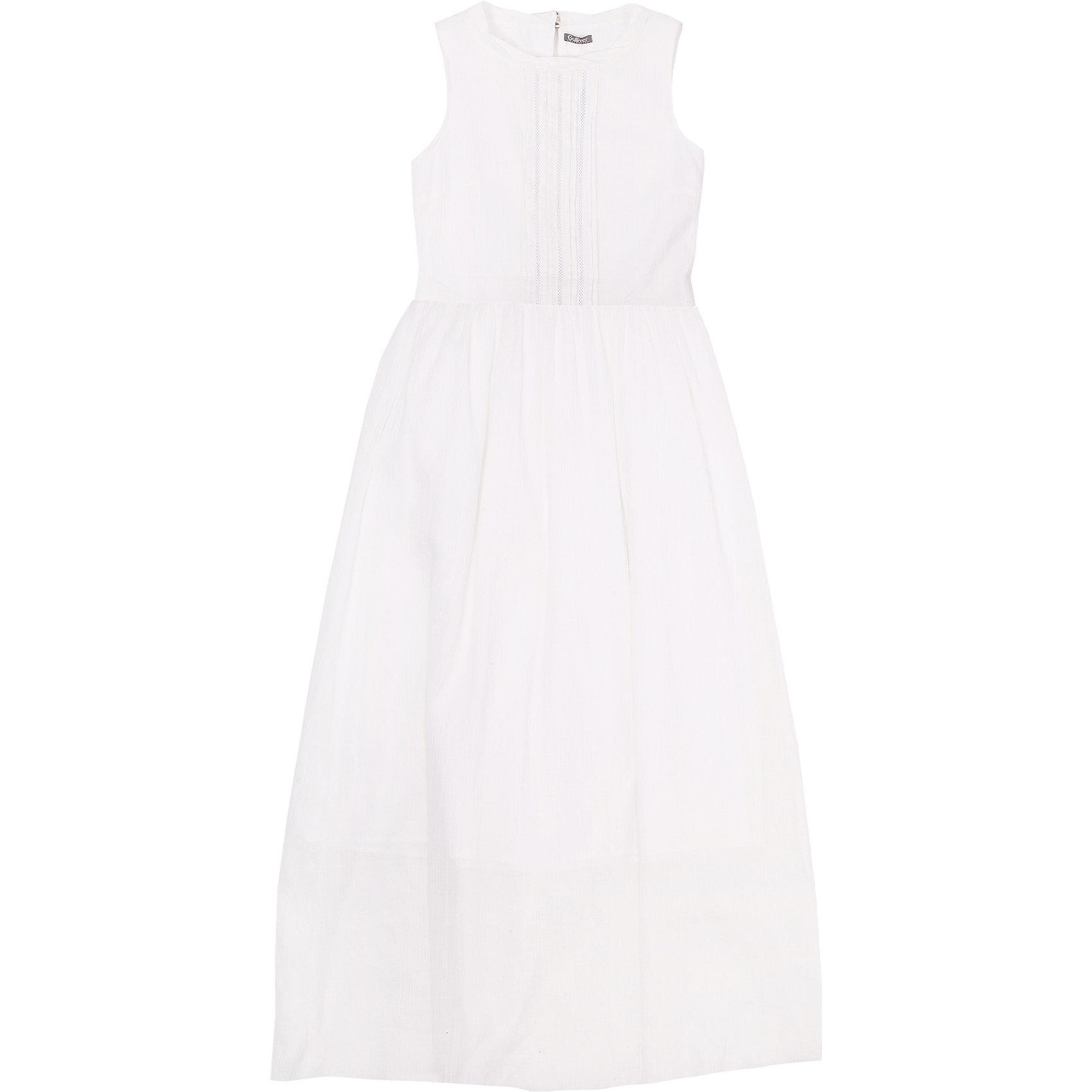 Платье для девочки GulliverОх уж эти модницы… Их летний гардероб пестрит нарядами, но разве можно устоять перед новым белым длинным платьем без рукавов? Модное летнее платье для девочки-подростка выполнено из батиста. Тонкое, нежное, изящное, платье выглядит выразительно. Передняя часть модели оформлена вертикальными защипами. Для любительниц романтического стиля платье можно дополнить  вязаным кардиганом, а тот, кто предпочитает одеваться смелее, завершит образ стильным джинсовым жилетом, создав яркий современный комплект.<br>Состав:<br>верх:               100% хлопок; подкладка:            100% хлопок<br><br>Ширина мм: 236<br>Глубина мм: 16<br>Высота мм: 184<br>Вес г: 177<br>Цвет: белый<br>Возраст от месяцев: 144<br>Возраст до месяцев: 156<br>Пол: Женский<br>Возраст: Детский<br>Размер: 158,164,152,146<br>SKU: 4535023