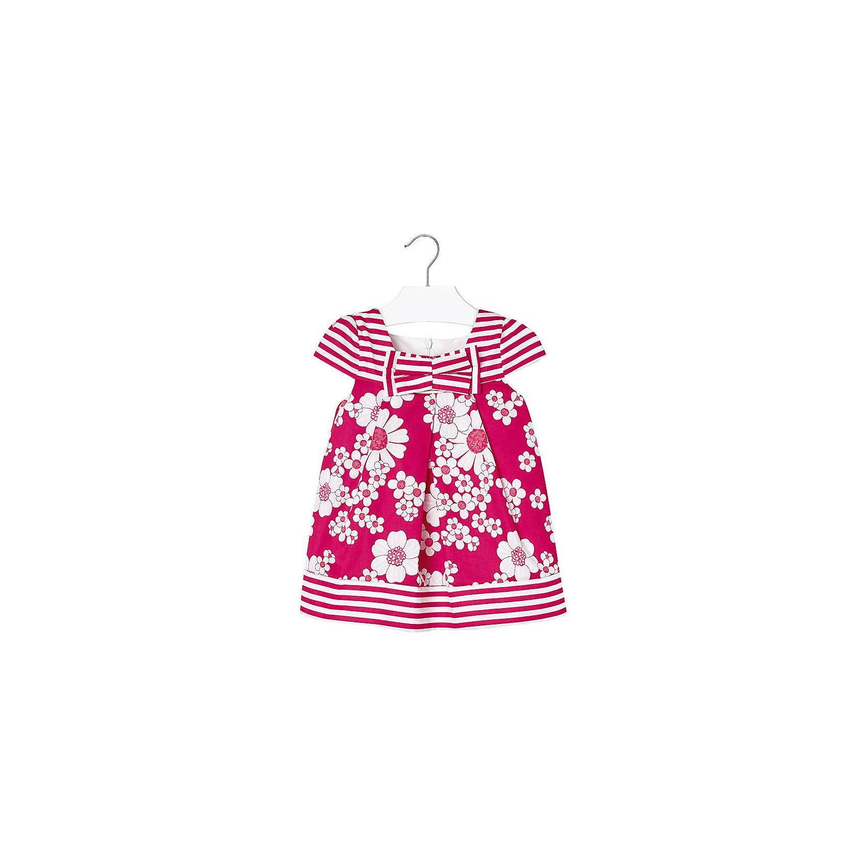 Платье для девочки MayoralОдежда<br>Очаровательное платье для девочки от известной испанской марки Mayoral - прекрасный вариант для теплой погоды. <br><br>Дополнительная информация:<br><br>- Мягкая, приятная к телу ткань. <br>- Округлый вырез горловины.<br>- Яркий цветочный принт и полоска.<br>- Бантик на груди. <br>- Застегивается на молнию на спине. <br>- Состав: верх - 100 % хлопок; подкладка - 35% хлопок, 65 % полиэстер.<br><br>Платье для девочки Mayoral (Майорал) можно купить в нашем магазине.<br><br>Ширина мм: 236<br>Глубина мм: 16<br>Высота мм: 184<br>Вес г: 177<br>Цвет: красный<br>Возраст от месяцев: 6<br>Возраст до месяцев: 9<br>Пол: Женский<br>Возраст: Детский<br>Размер: 74,92,86,80<br>SKU: 4538046