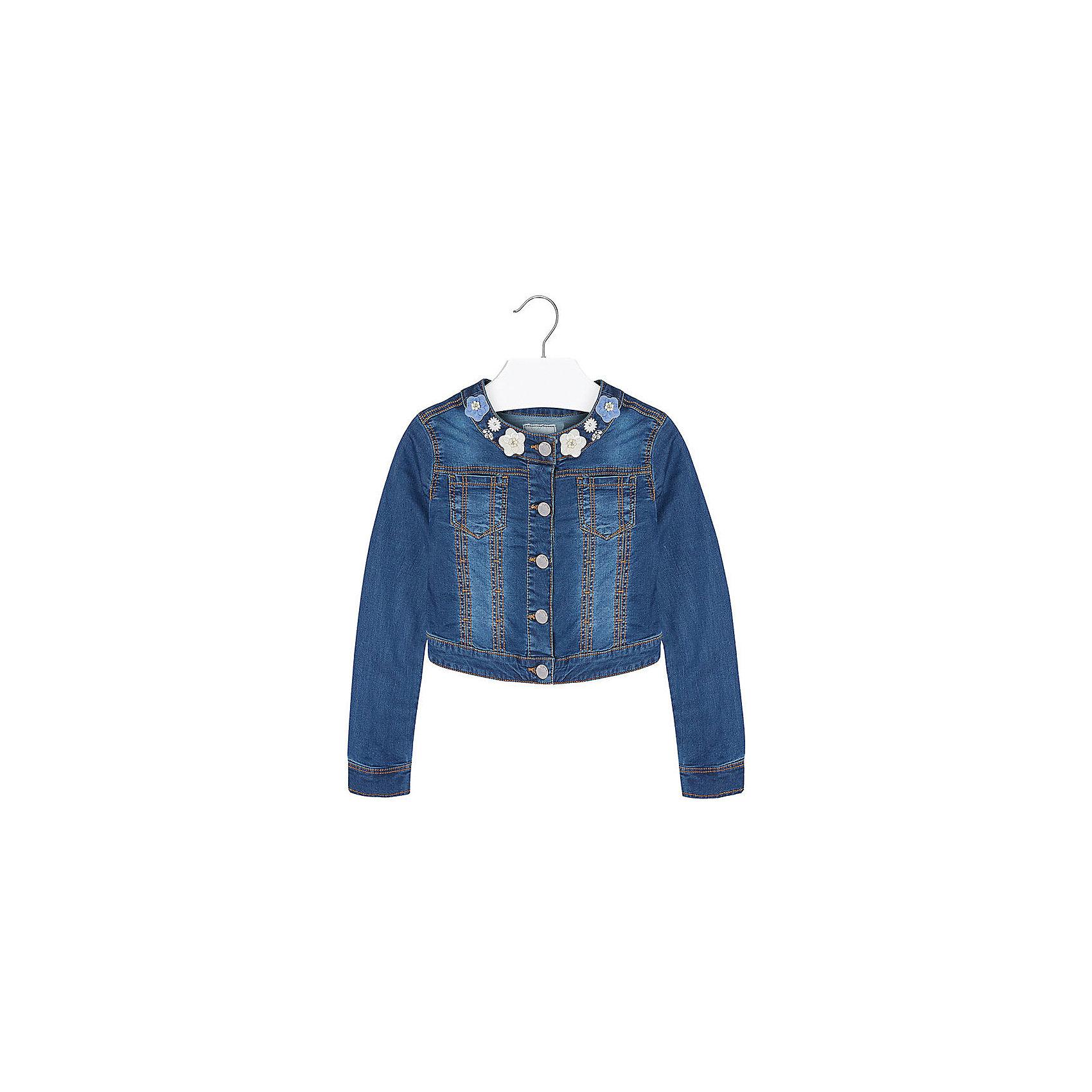 Куртка для девочки MayoralКуртка для девочки от известной испанской марки Mayoral подчеркнет индивидуальность юной модницы. <br><br>Дополнительная информация:<br><br>- Стильный дизайн.<br>- Застегивается на молнию.<br>- Манжеты рукавов на пуговицах.<br>- 2 кармана на груди.<br>- Аппликация в виде цветов.<br>- Ассиметричный низ (сзади-короче). <br>- Состав: 98% хлопок, 2% эластан. <br><br>Куртку для девочки Mayoral (Майорал) можно купить в нашем магазине.<br><br>Ширина мм: 356<br>Глубина мм: 10<br>Высота мм: 245<br>Вес г: 519<br>Цвет: синий<br>Возраст от месяцев: 132<br>Возраст до месяцев: 144<br>Пол: Женский<br>Возраст: Детский<br>Размер: 152,158,170,128,140,164<br>SKU: 4538517